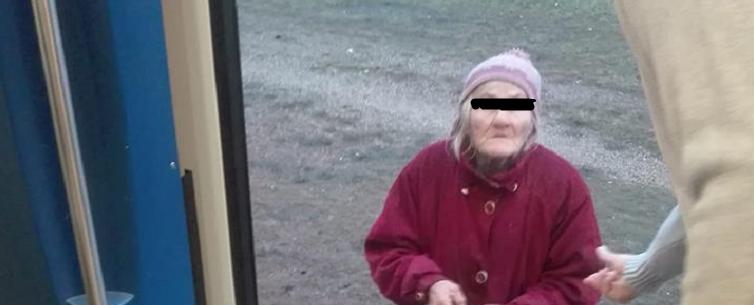 Szemtanú: a kiabáló kalauz leszállítással és rendőrrel fenyegette meg a vonatról leküldött idős néni jegyét megvásárló utast