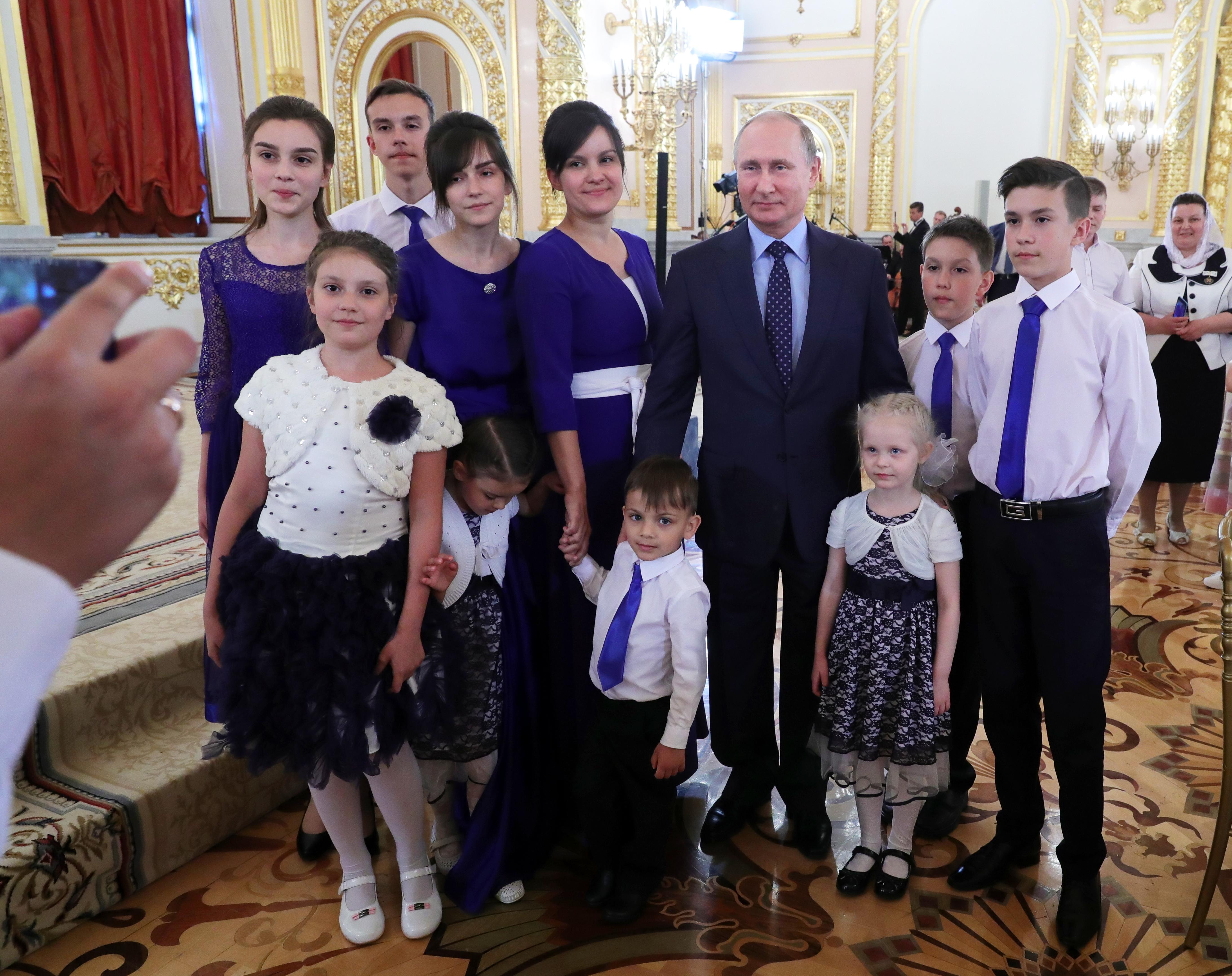 Az orosz fiatalok 41 százaléka kivándorolna