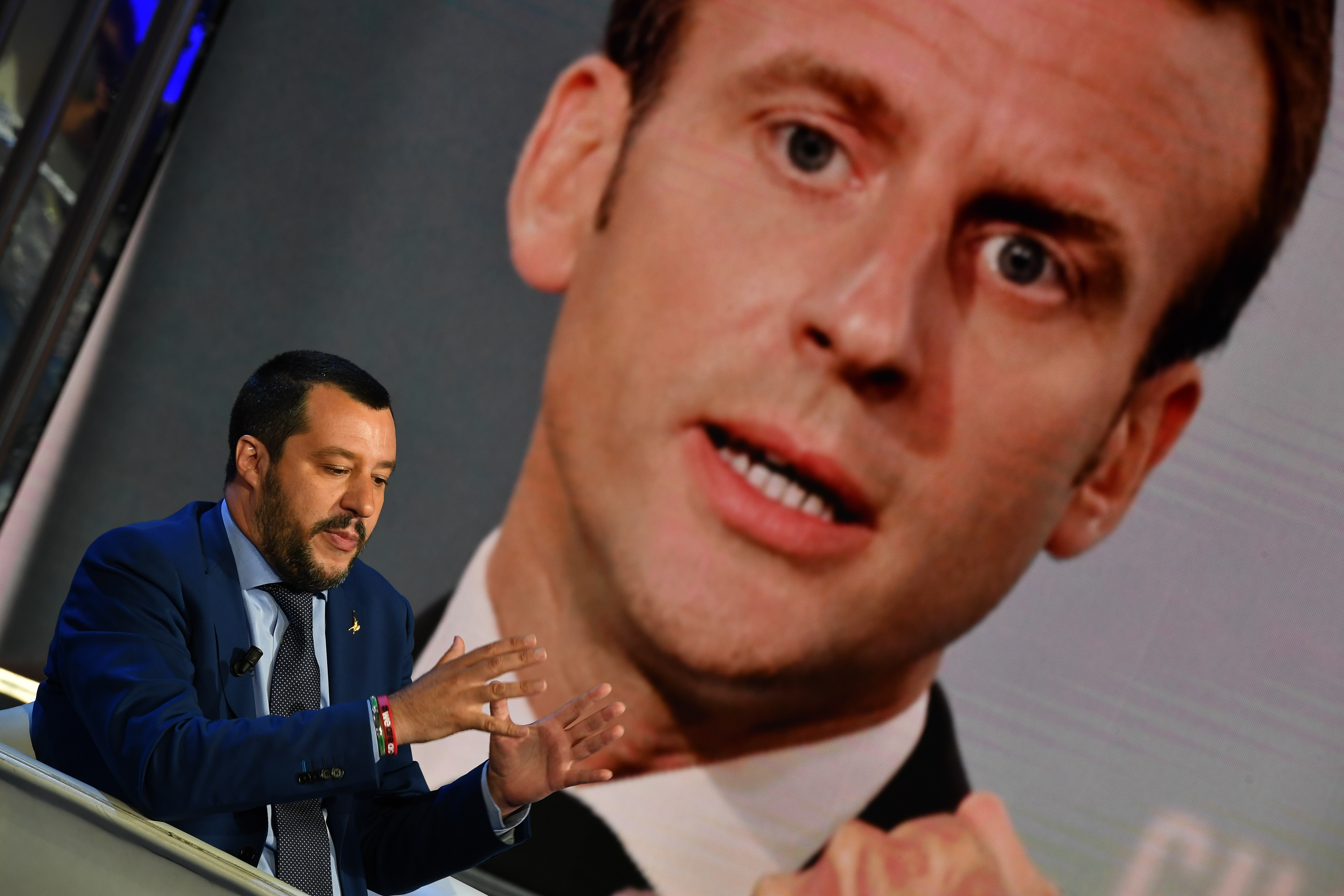 Franciaország annyira berágott az olasz kormányra, hogy hazahívja a római nagykövetét