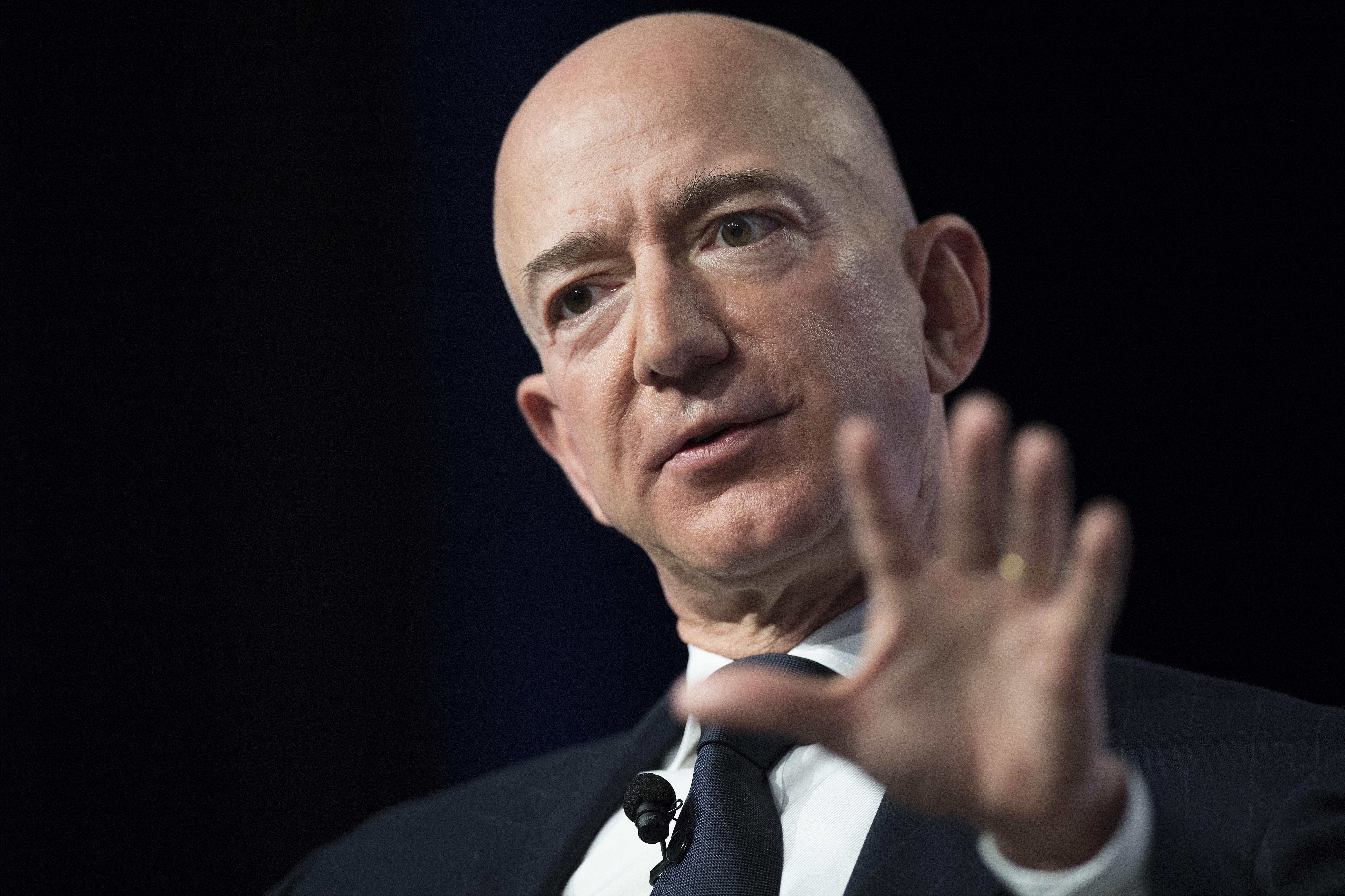 Jeff Bezos megérti, hogy Joe Biden adót emelne, és támogatja a társasági adó emelését
