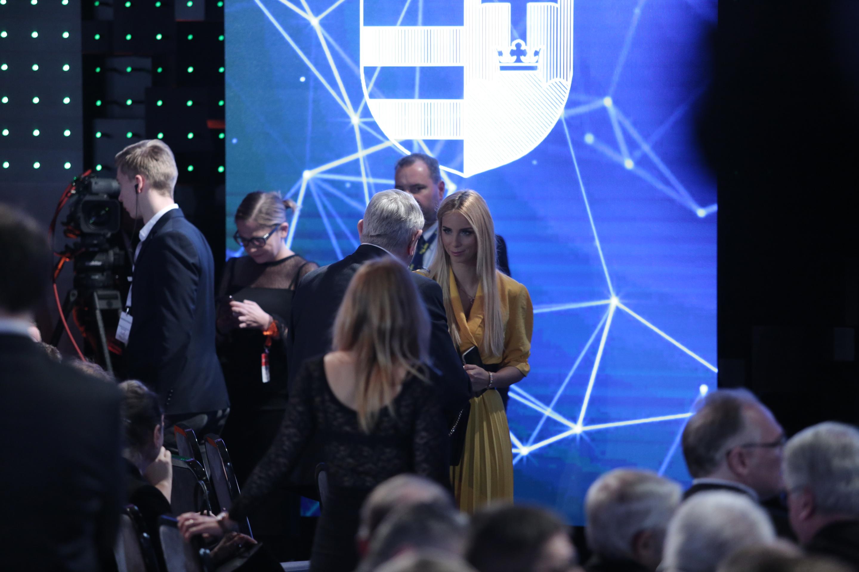 Rogán Cecília már megérkezett Orbán évértékelőjére