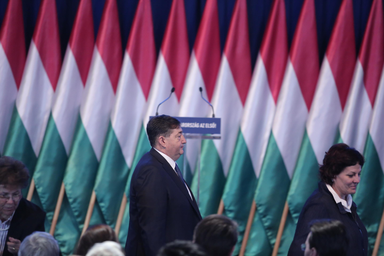 Magyarország leggazdagabb embere is megérkezett az évértékelőre