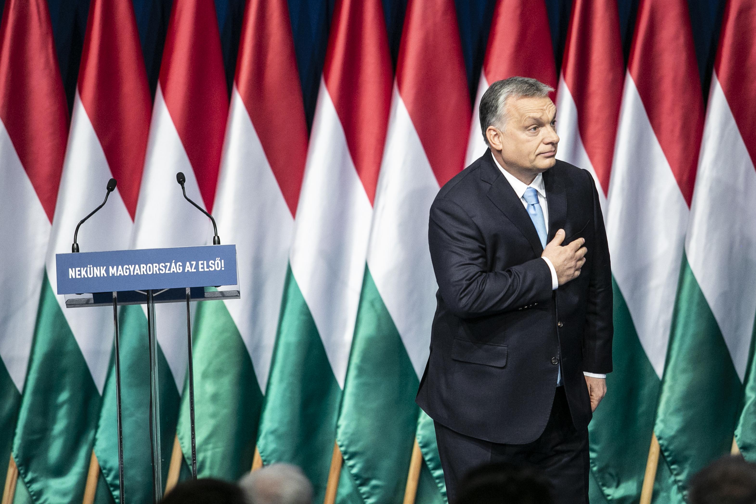 Elmarad Orbán Viktor évértékelő beszéde