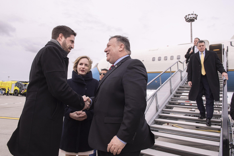 Megérkezett Mike Pompeo amerikai külügyminiszter Budapestre