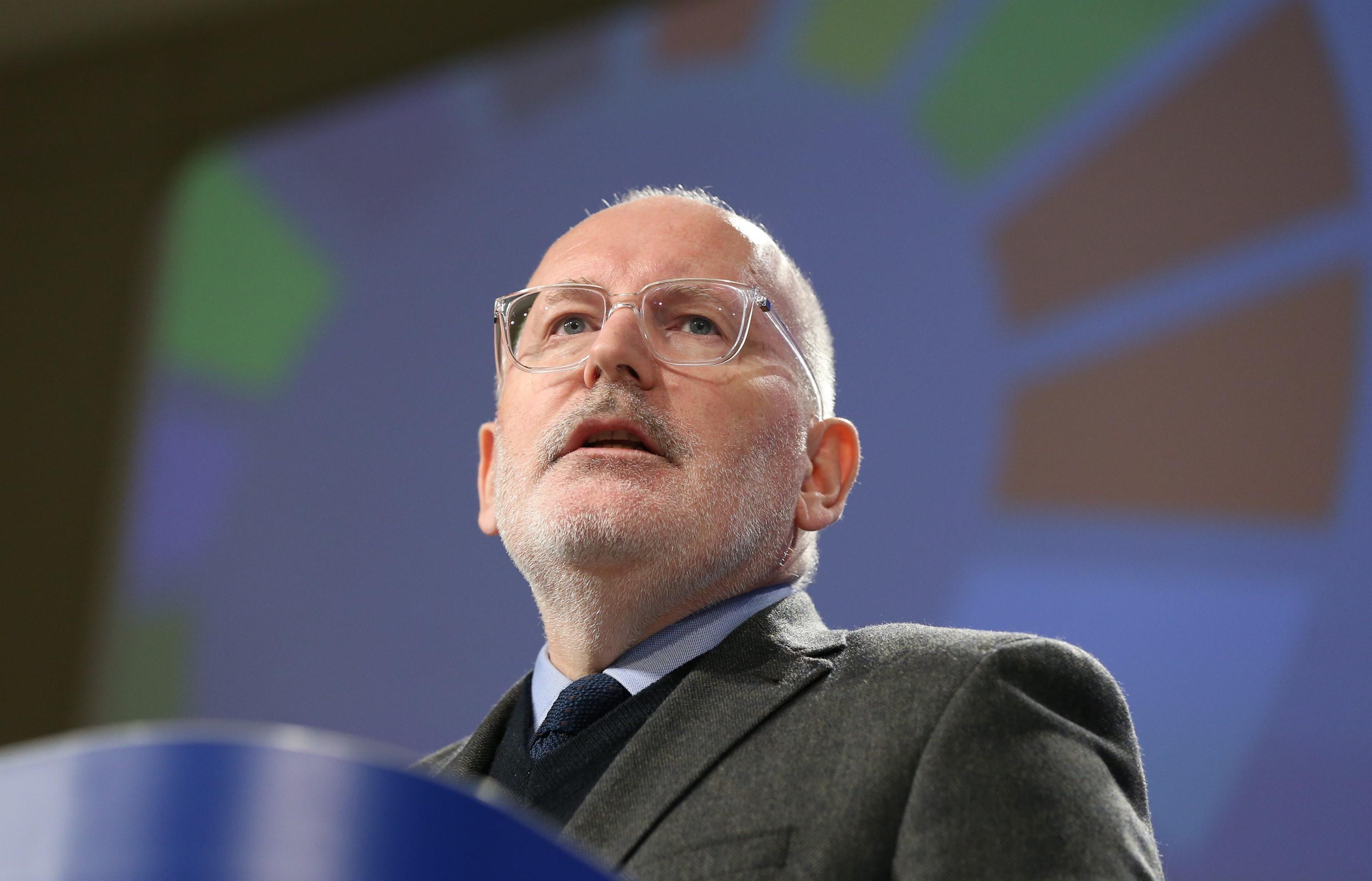 Timmermans: El fog jönni a pillanat, amikor a magyarokat már nem a félelmeik fogják érdekelni