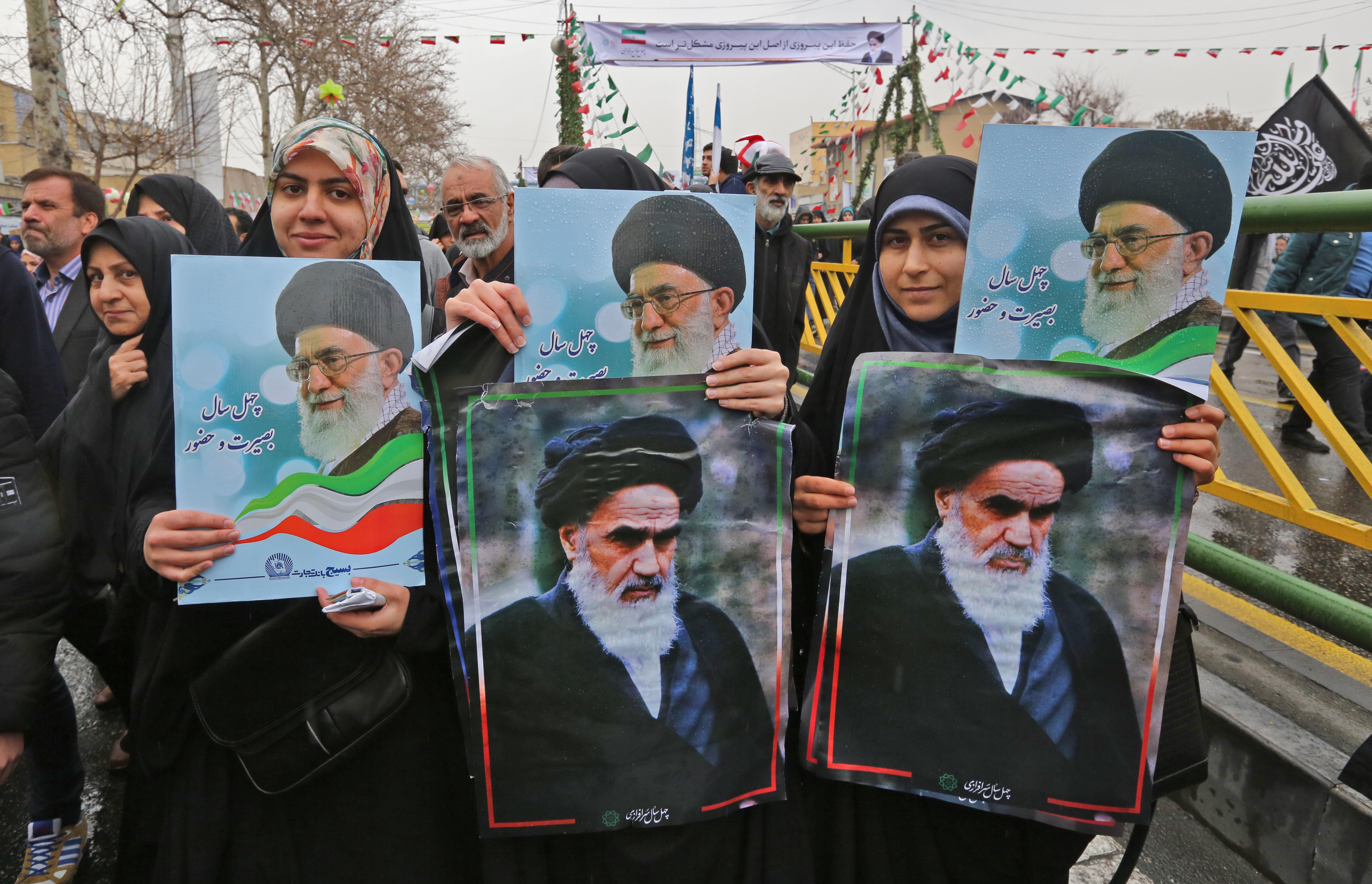 Irán új rakétát tesztelt