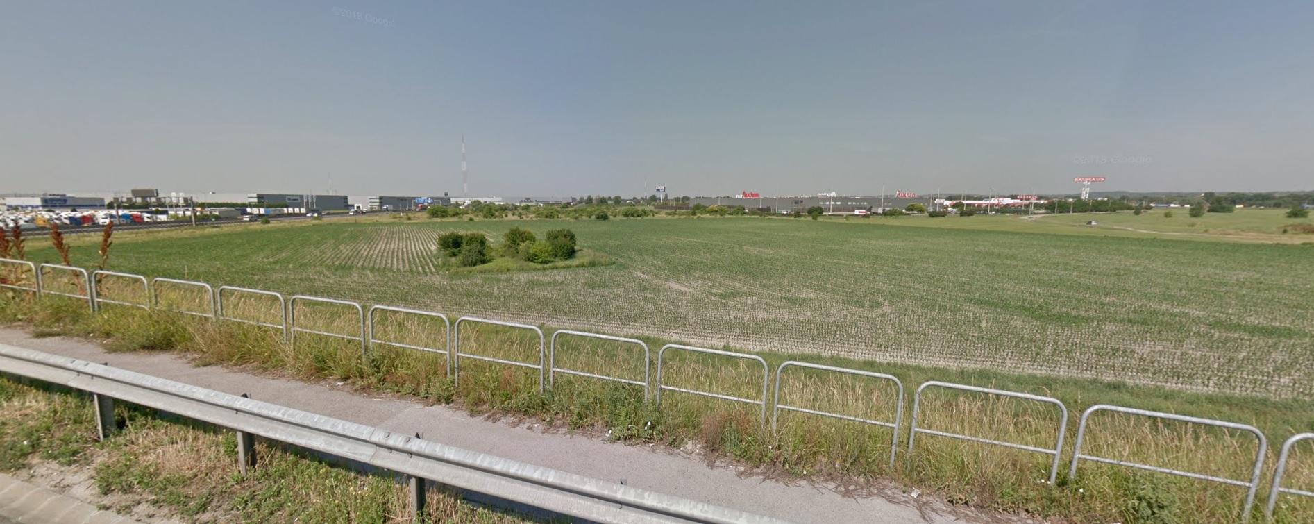 Épp ott vannak a polgármester földjei Szigetszentmiklóson, ahol az új ipari park lesz