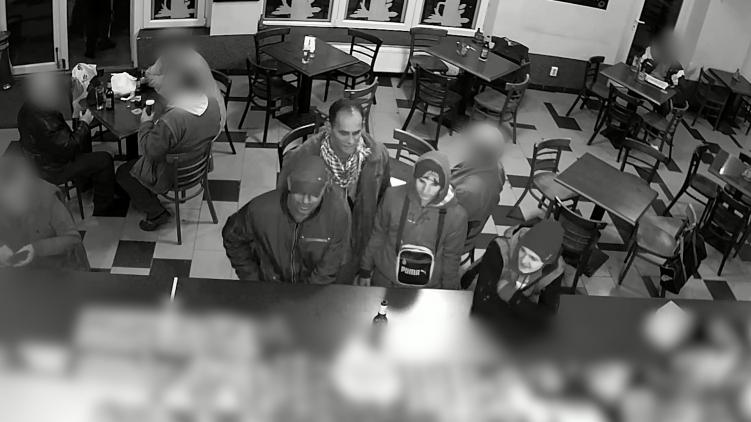 A rendőrség a biztonsági kamera felvétele alapján keresi azokat, akik Kőbányán két embert is durván megvertek