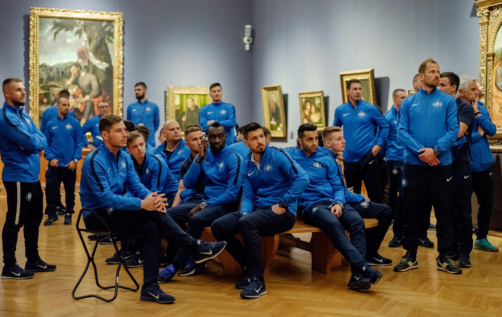 Te is ismered gyerekkorodból az érzést, ami a Szépművészeti Múzeumba elvitt MTK-s focisták arcára van írva?
