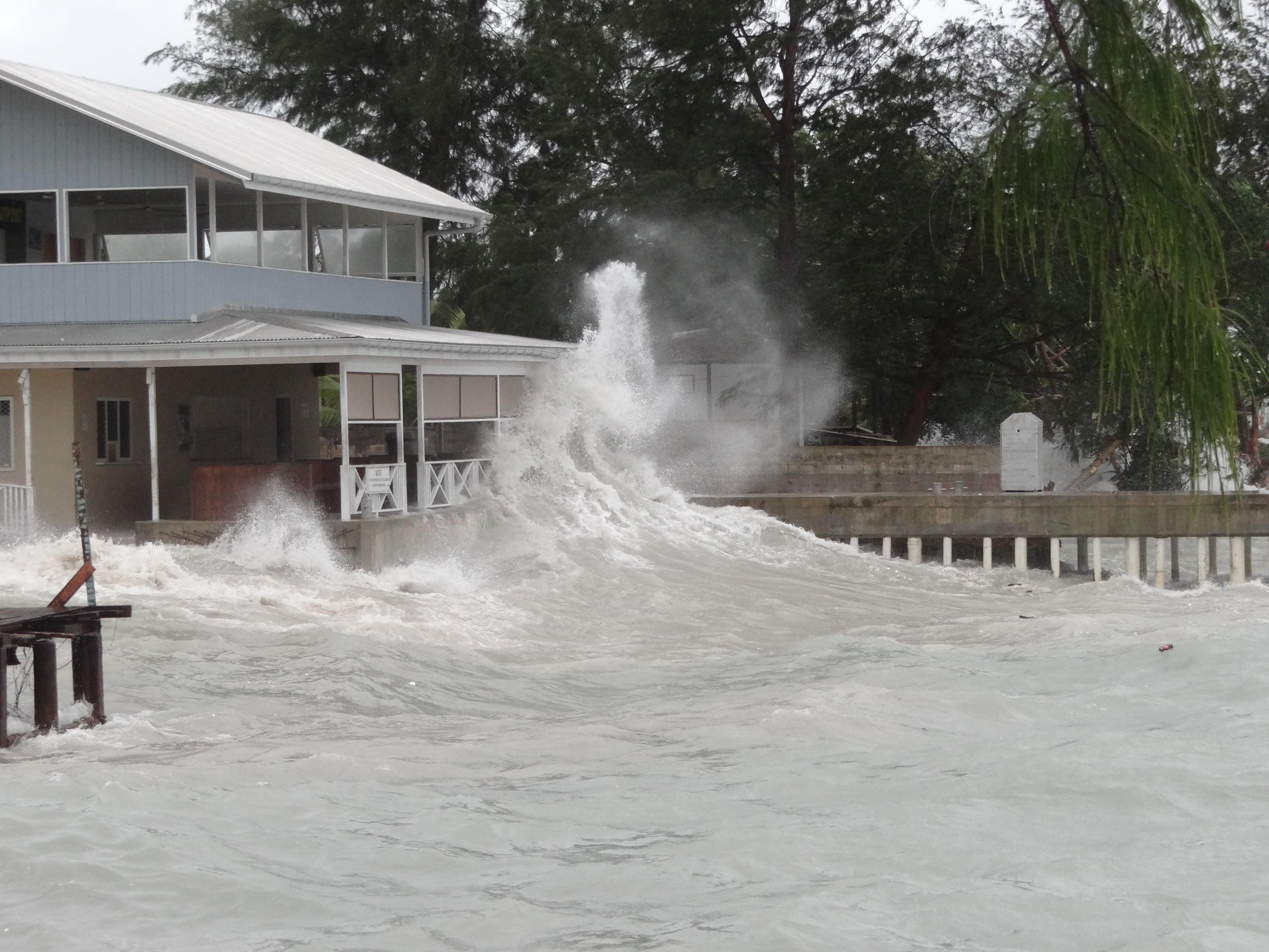 A Marshall-szigeteken annyira tartanak a klímaváltozástól, hogy mesterségesen emelnék meg a szigeteket