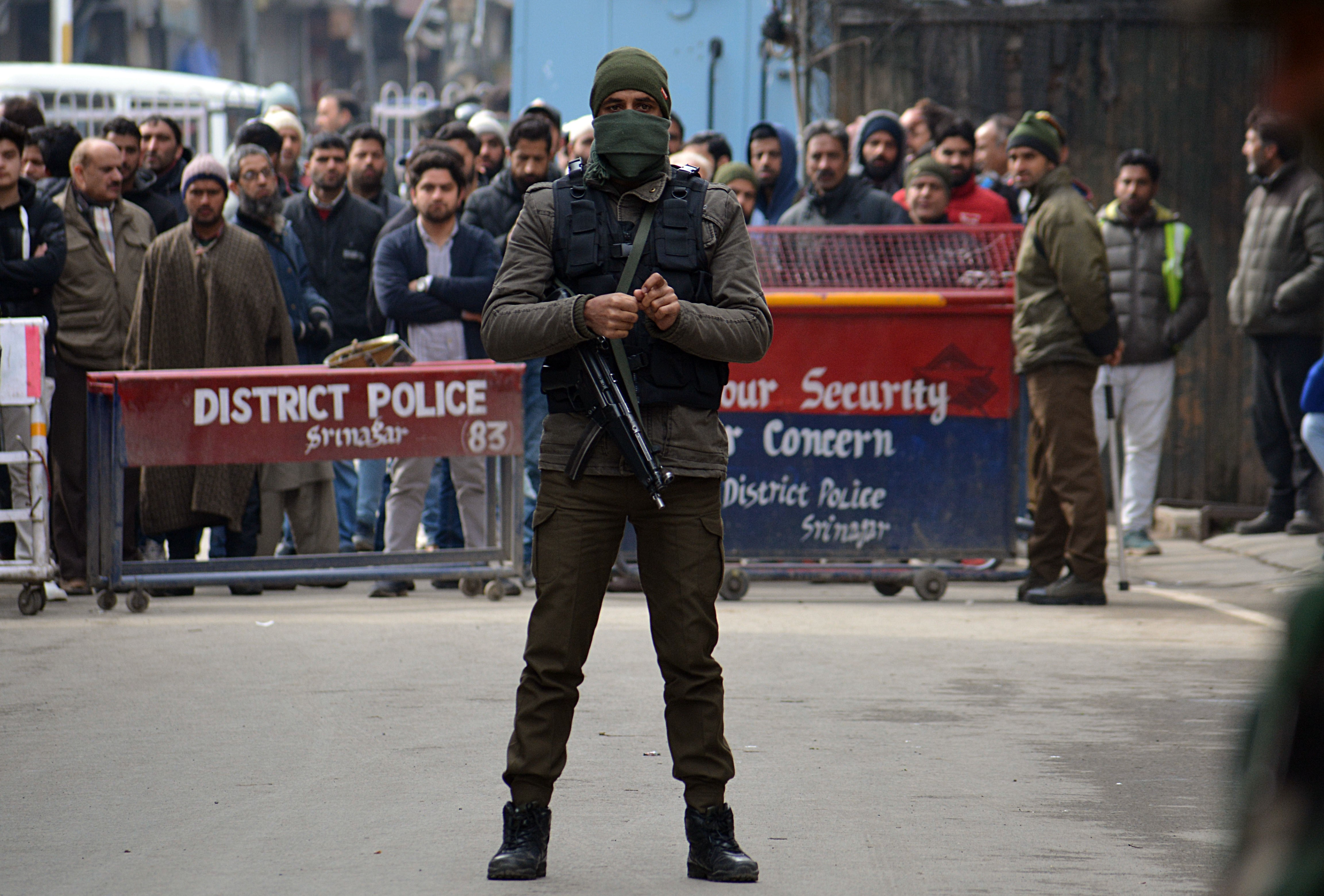 Az indiai parlament jóváhagyta a muszlim többségű Kasmír különleges státuszának visszavonását