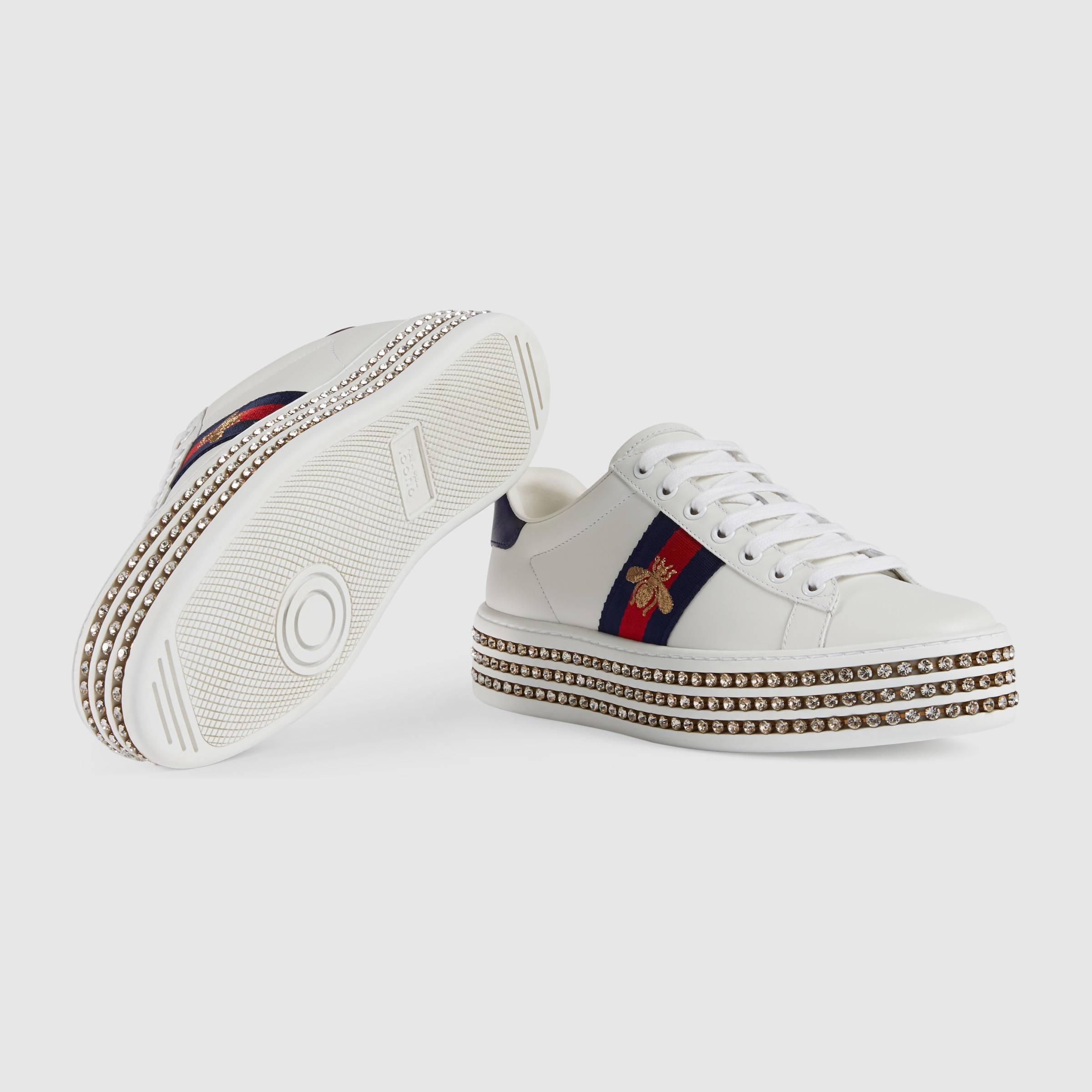 Ilyen, 300 ezer forintnál is drágább Gucci sportcipőben jött haza a nyaralásból Mészáros Lőrinc lánya