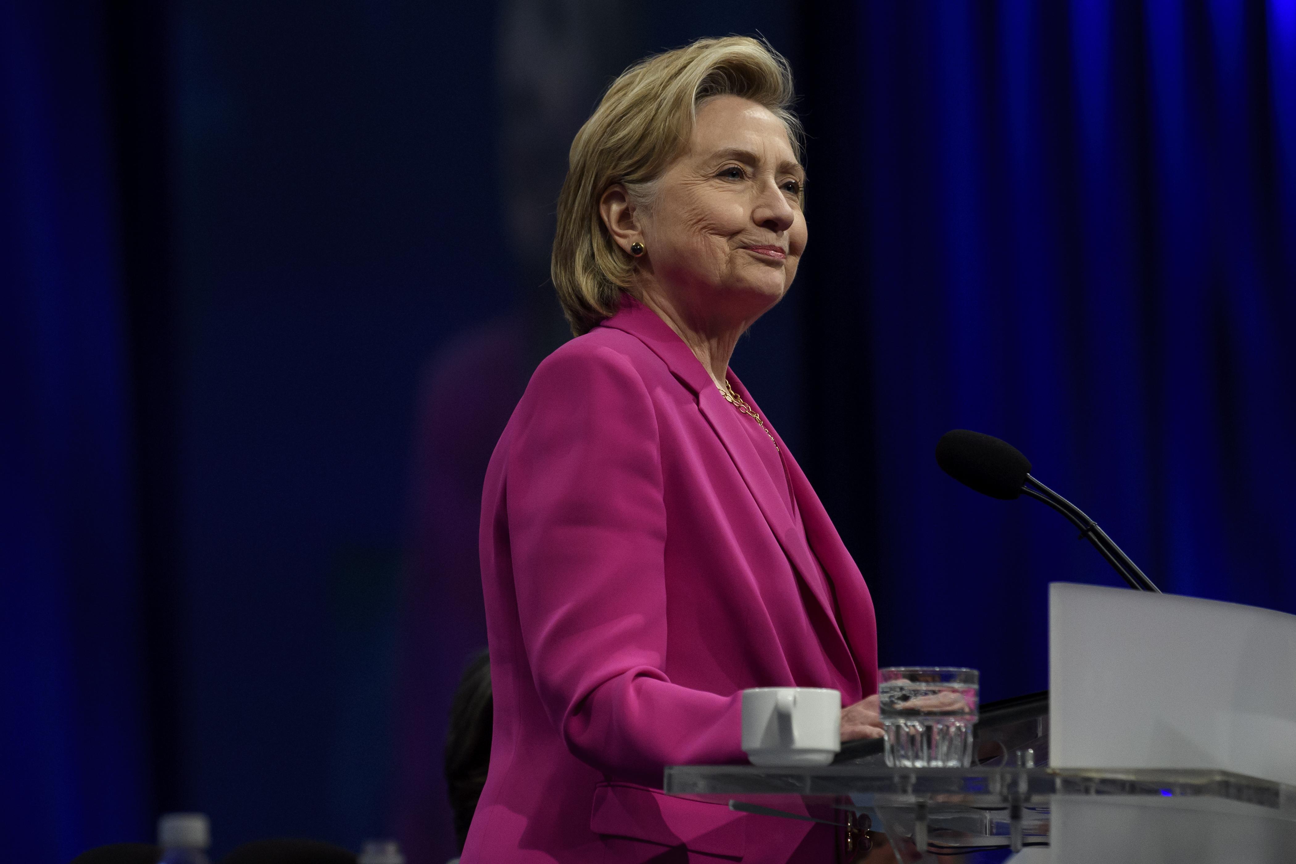 Hillary Clinton az elsők között gratulált Joe Bidennek
