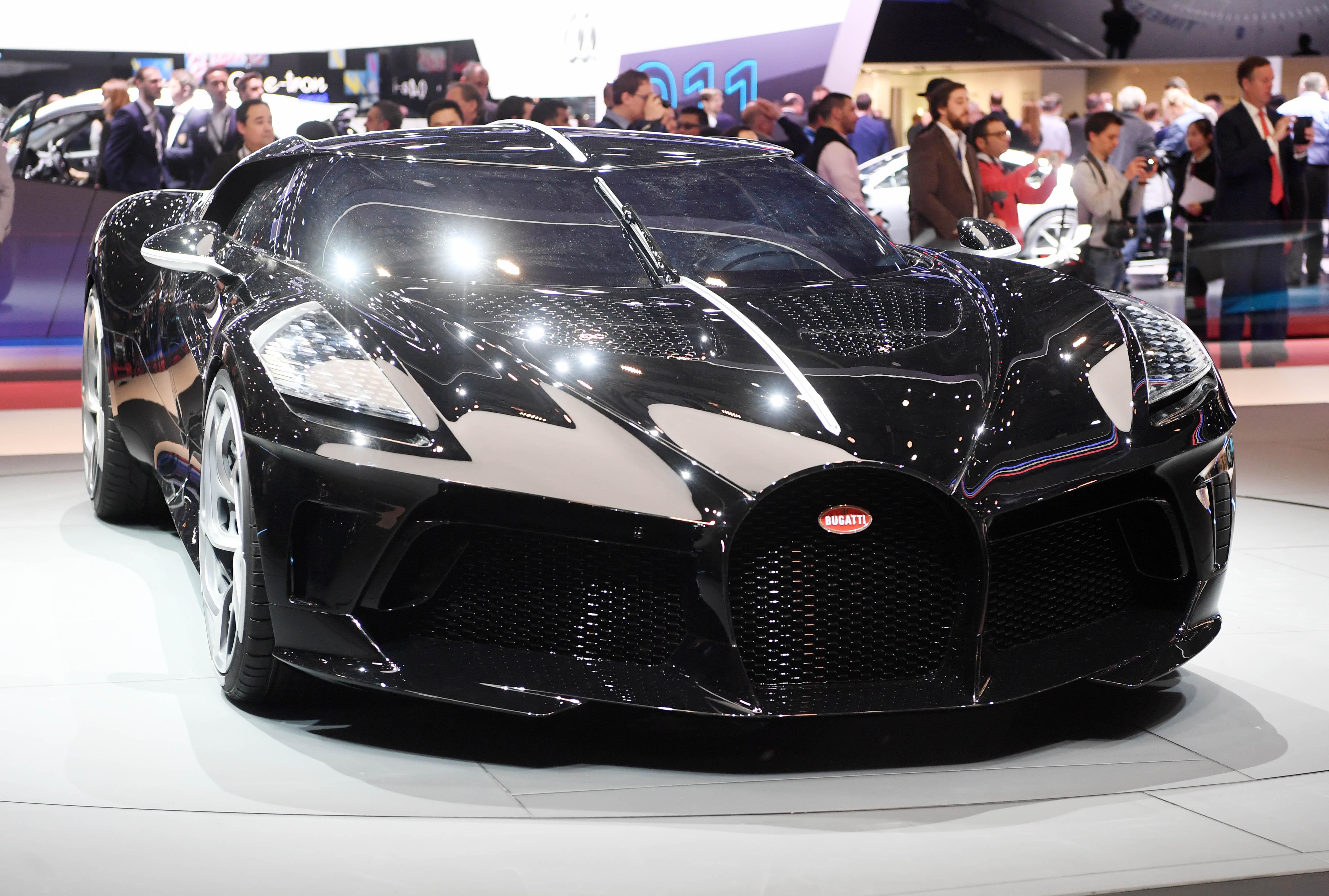 A Bugatti legyártott egy 3,5 milliárd forintos autót, és már el is adták