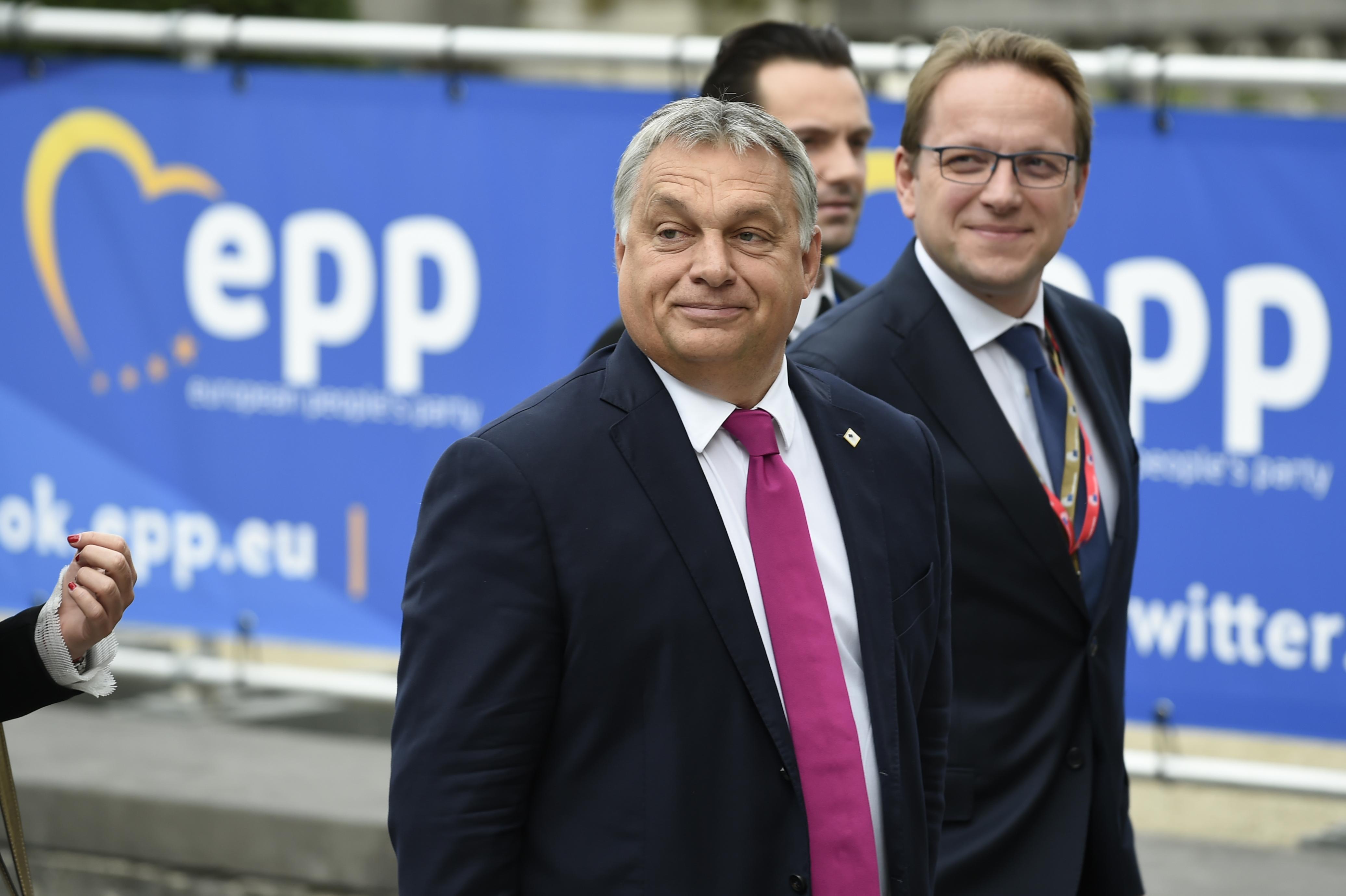 Ha a Fideszt kizárják a Néppártból, Orbán a lengyelekkel tárgyal legelőször