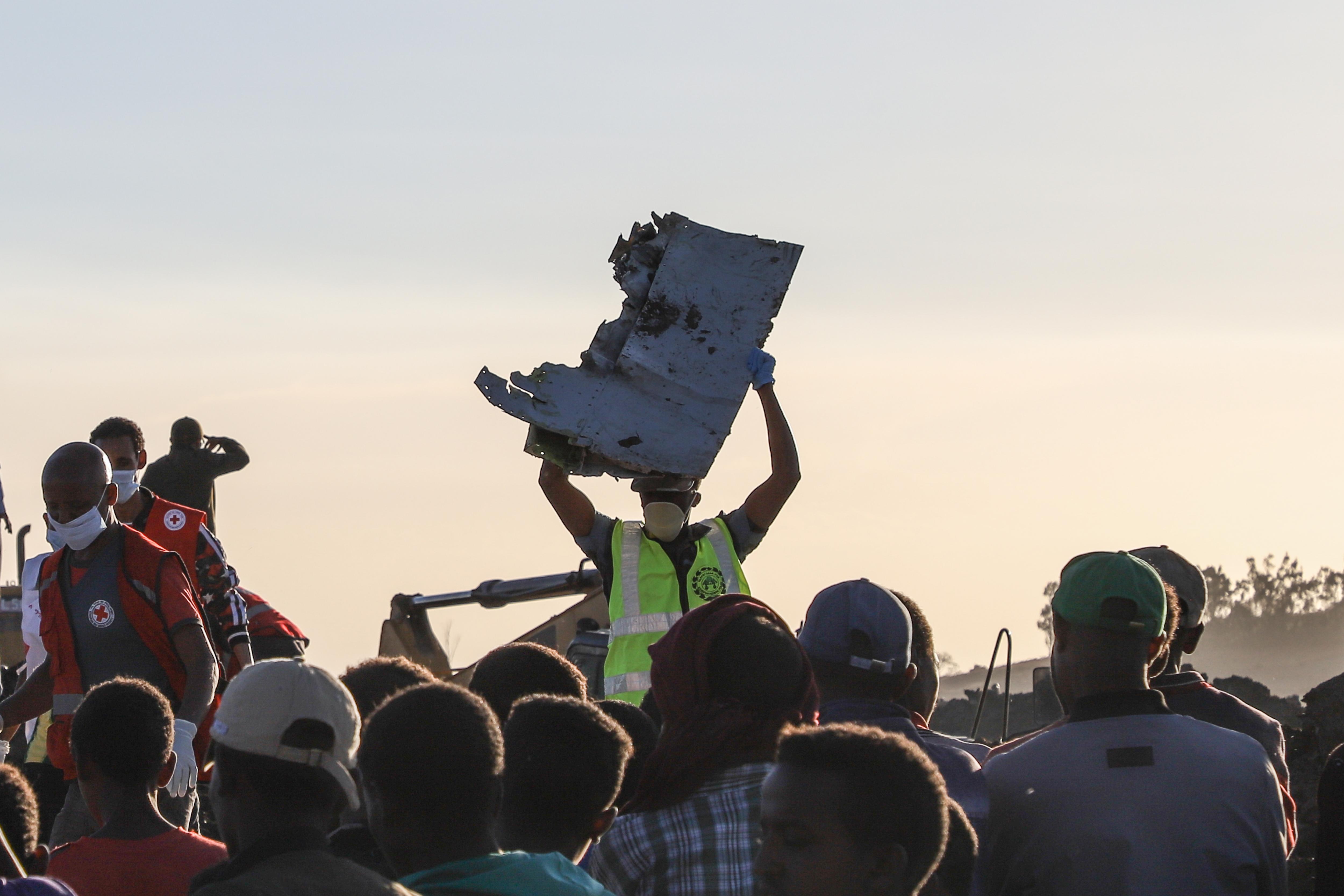 40 másodpercük lett volna a lezuhant Boeingek pilótáinak, hogy megoldjanak egy problémát, aminek a létezéséről se tudtak