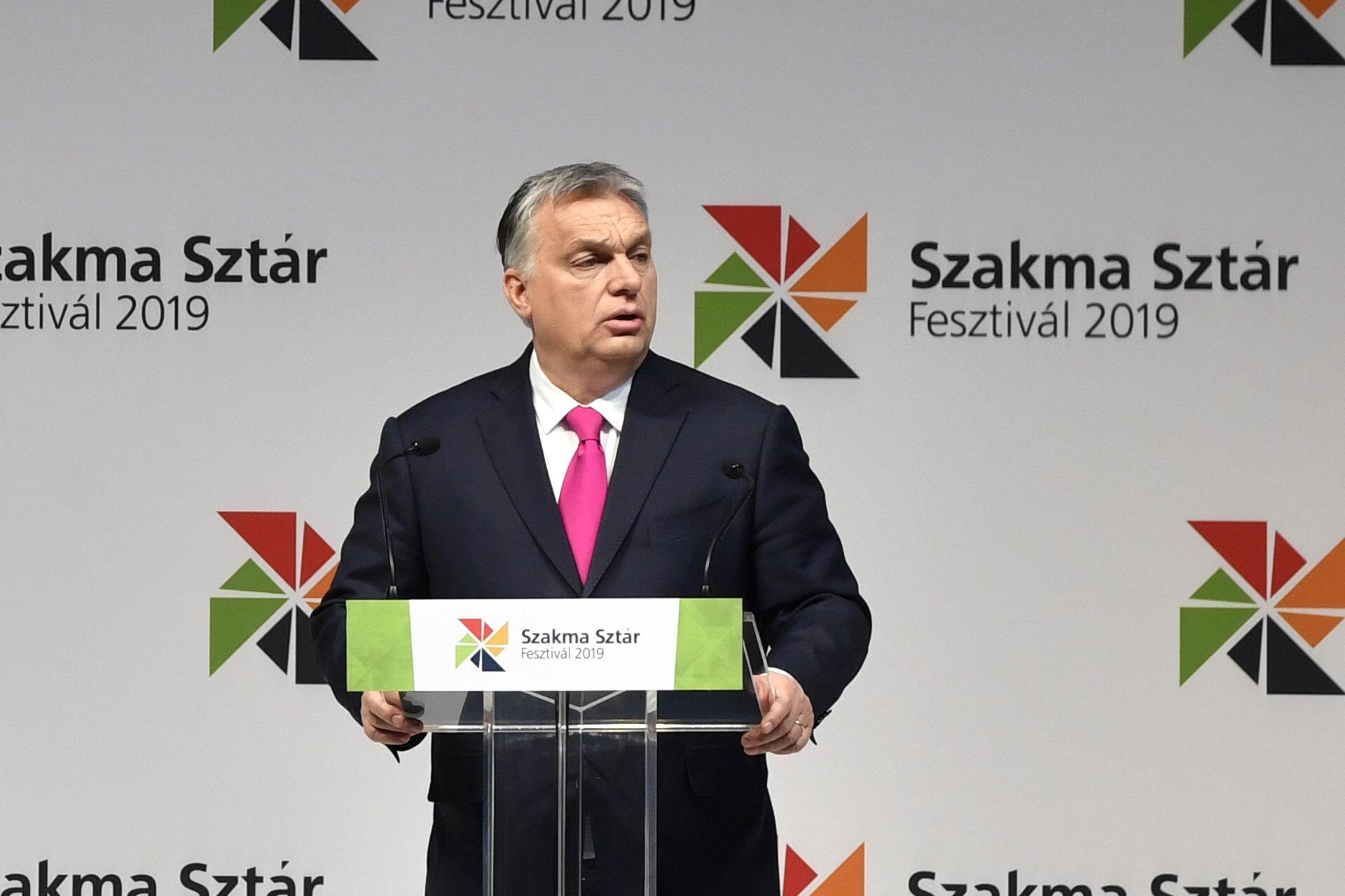 Orbán: Itt nincsenek migránsok