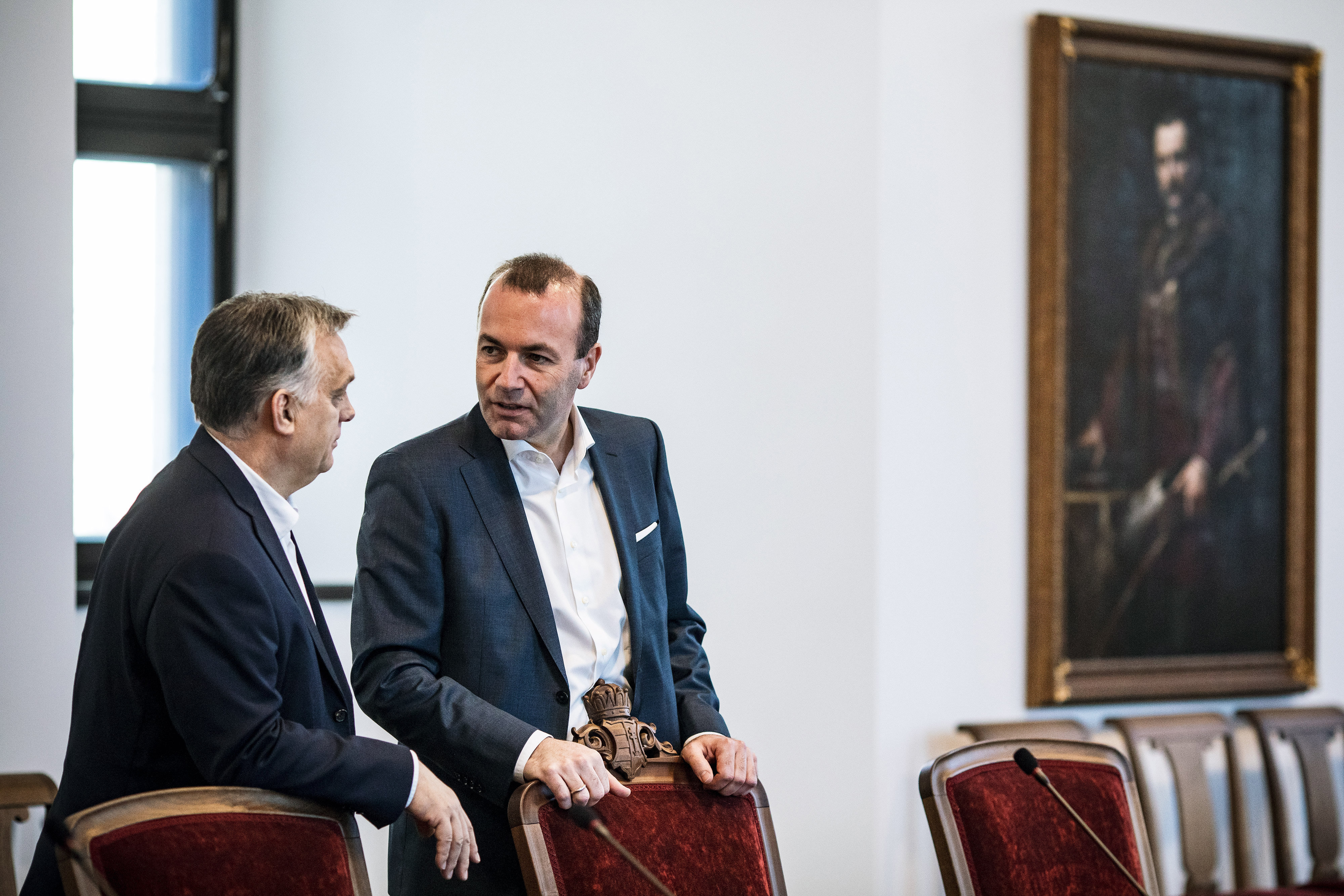 Népszava: Orbán levelet írt Webernek, melyben a Fidesz kilépését készítheti elő az Európai Néppártból