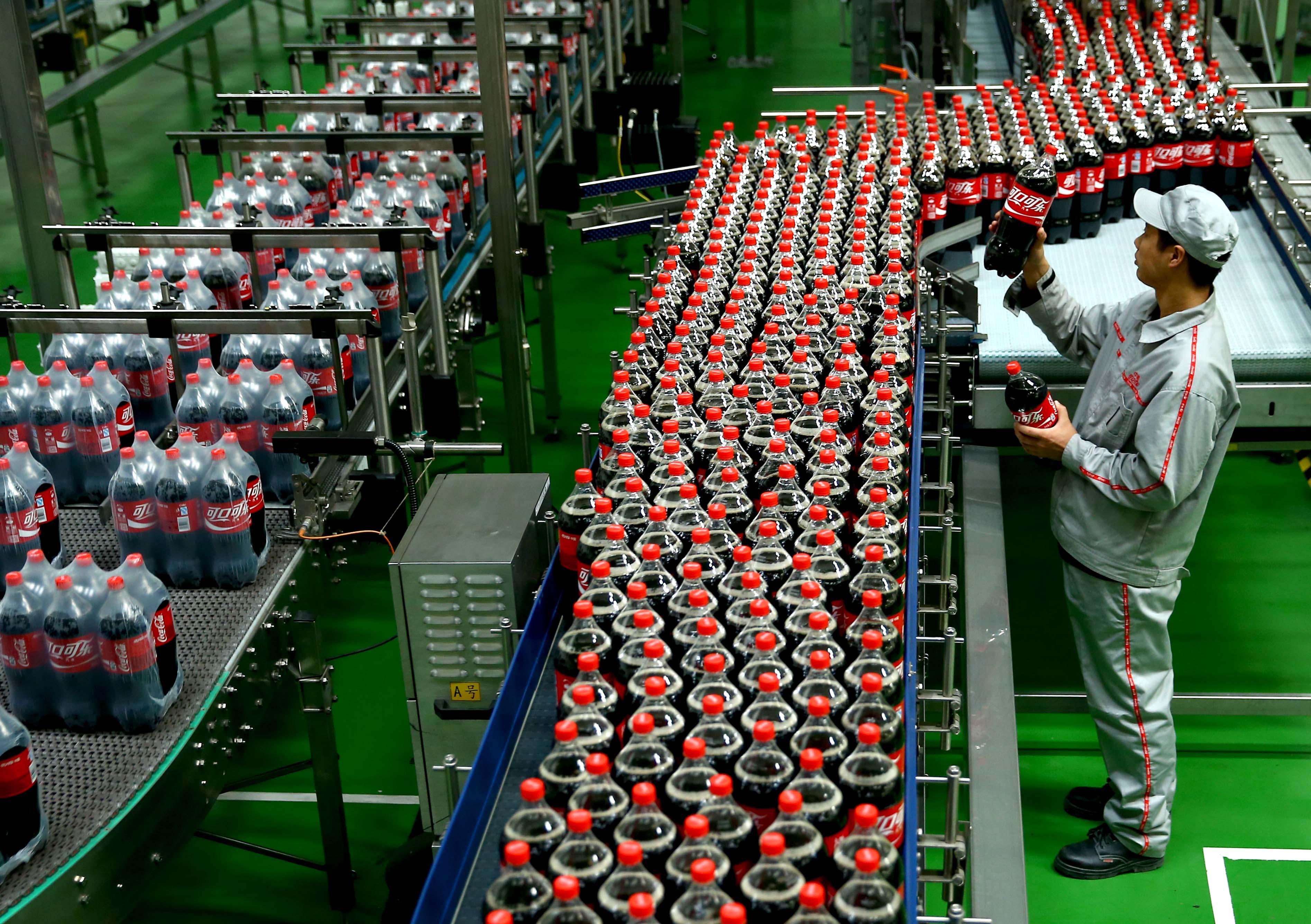 Elfogyott a víz az ausztrál iskolából, mert kitermeli a Coca-Cola