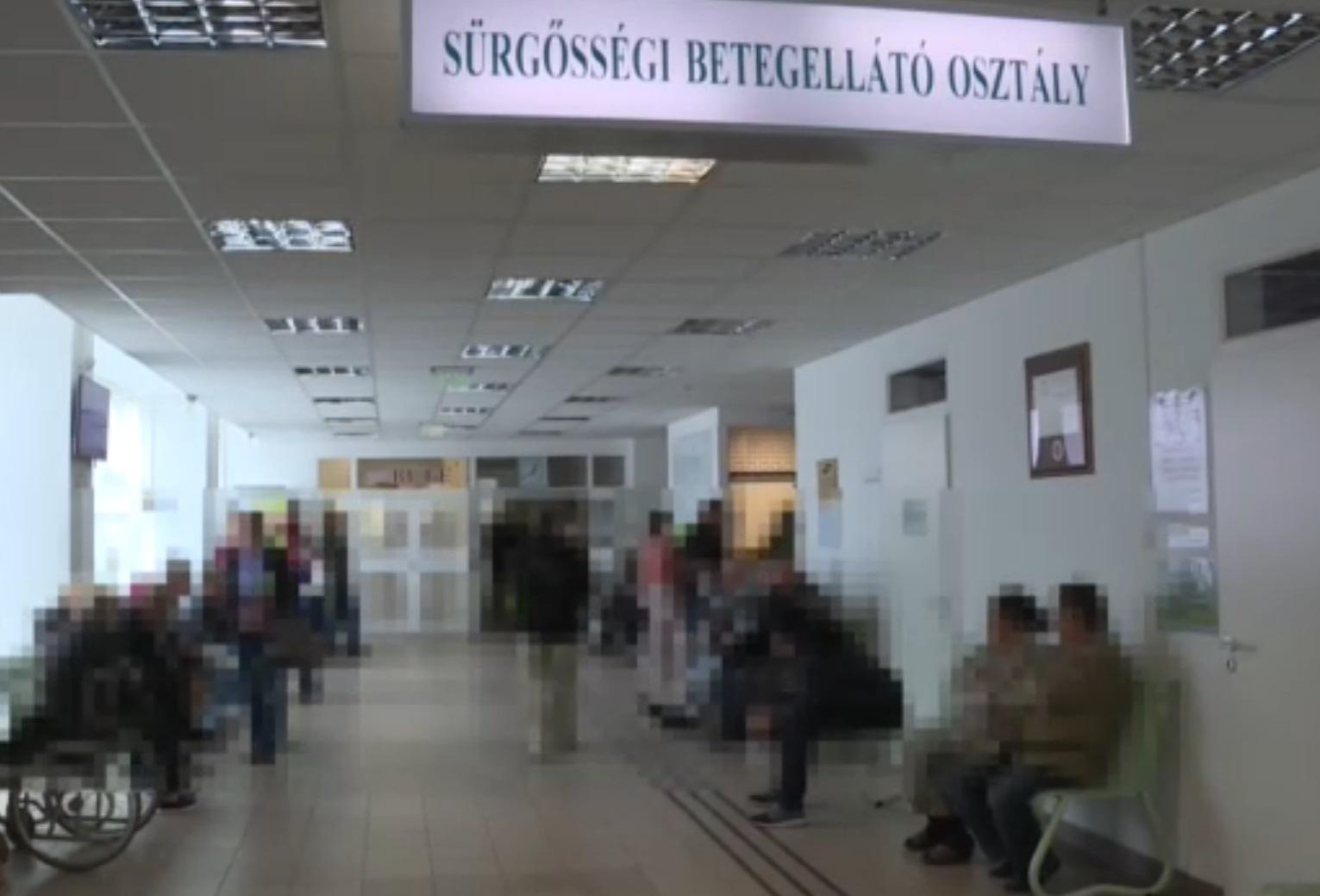 Az összes betegszállító felmondott a hatvani kórházban