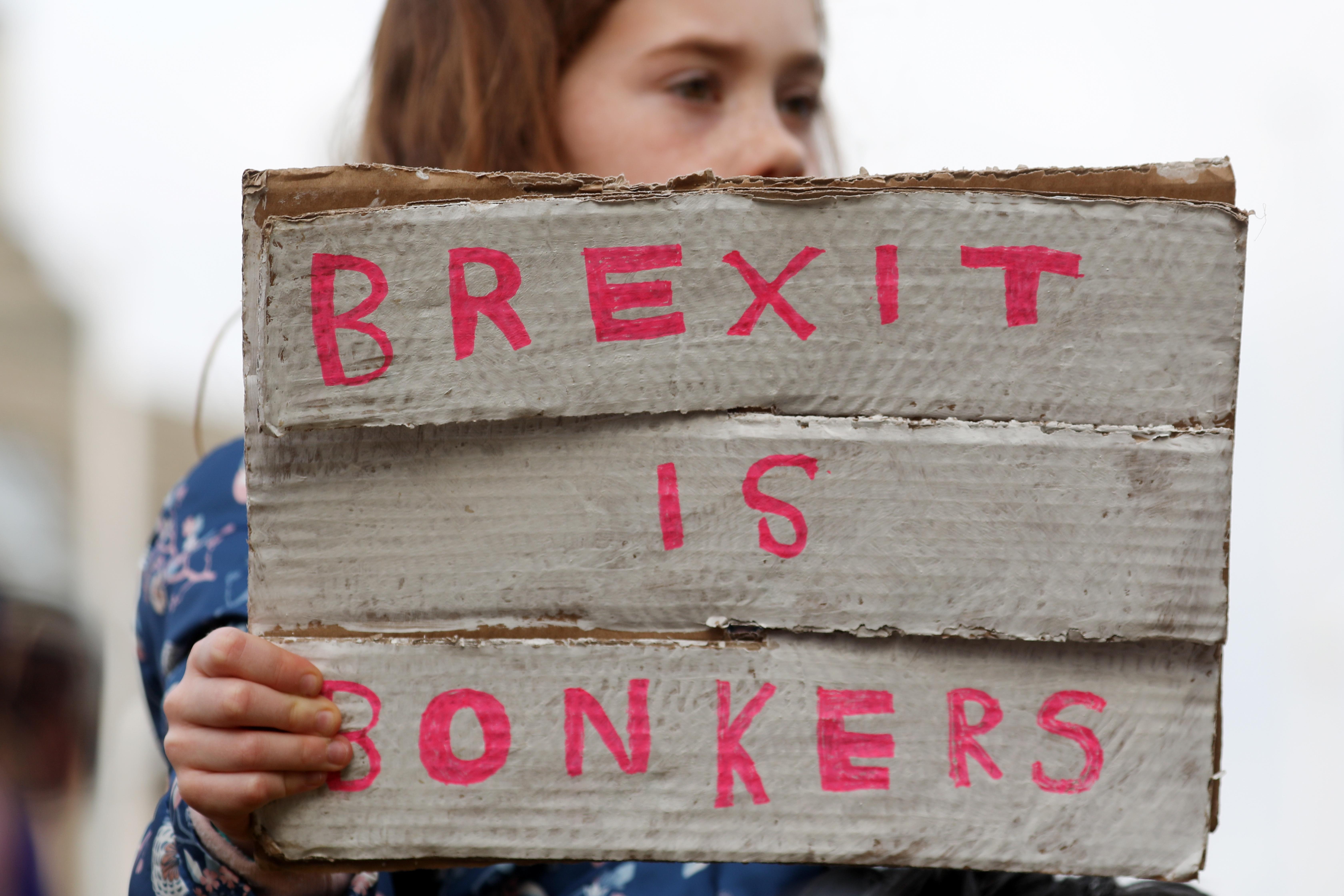 Az éjjel eldőlt, hogy Nagy-Britannia novemberig EU-tag maradhat