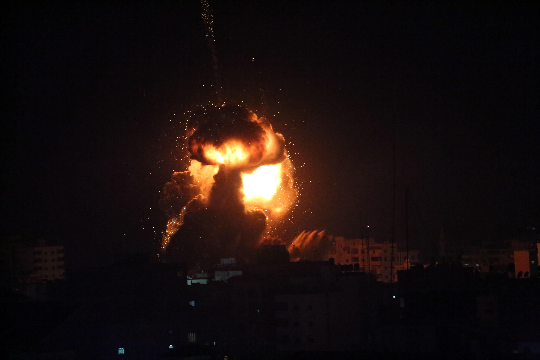 Izrael légicsapásokkal válaszolt a hétfői rakétatámadásra