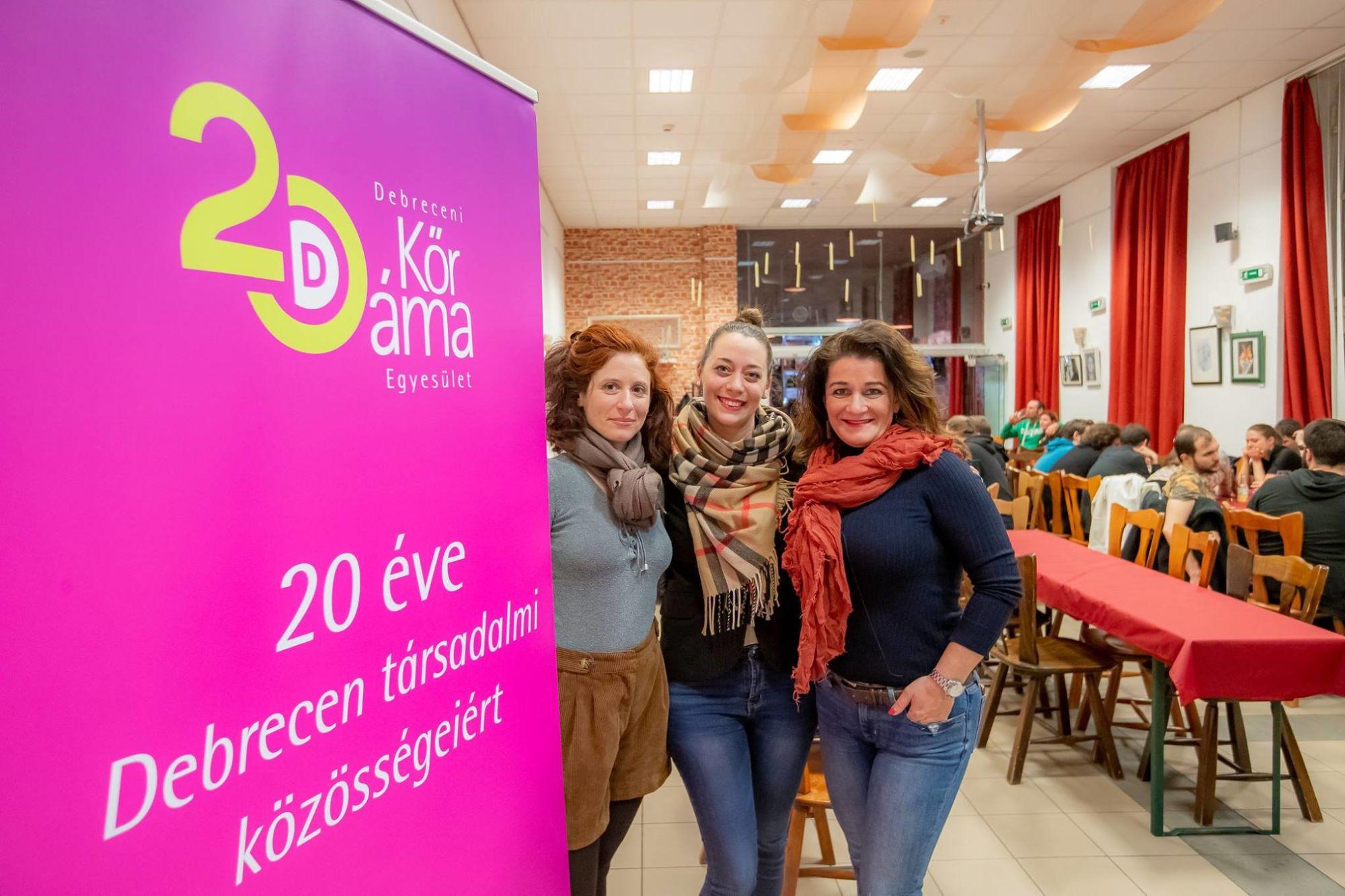 Feljelentették a szervezőket Kósa Lajos feleségének kamu eseménye miatt, a NAV pompás indokkal utasította el, hogy nyomozzon