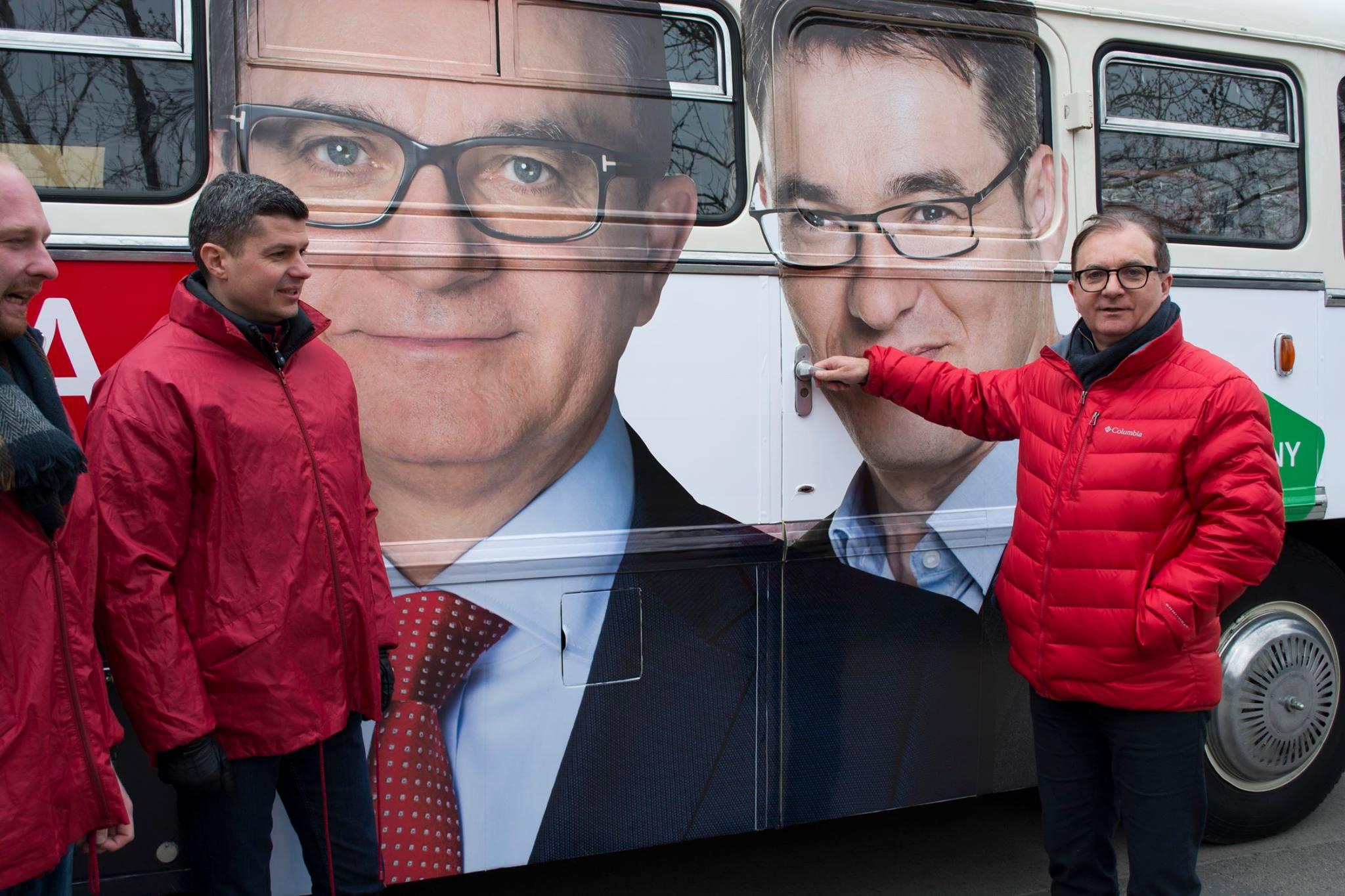Összeült a zuglói parkolási ügyeket vizsgáló bizottság, a Fidesz, az MSZP és a Mi Hazánk nem ment el