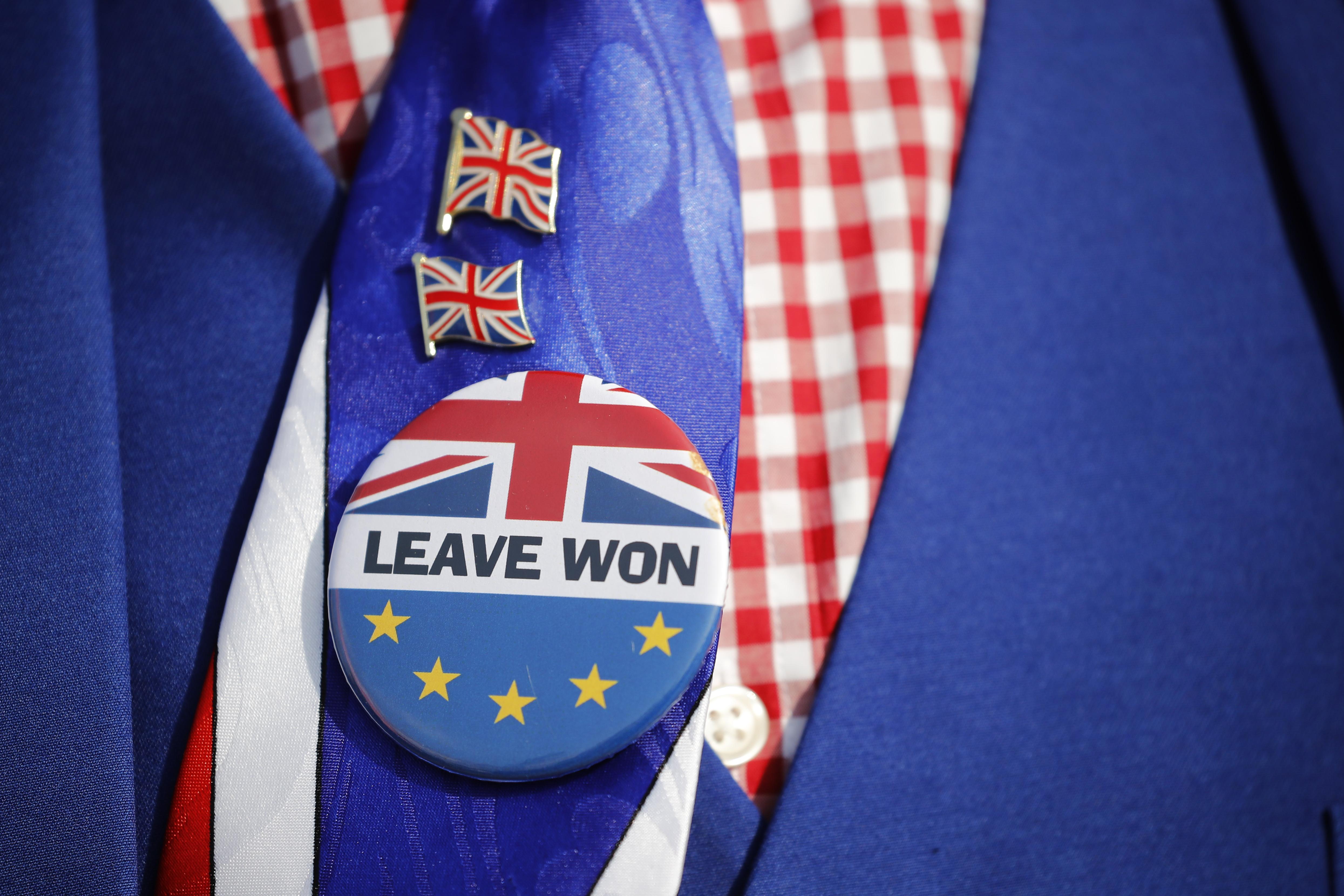 A Brexit semelyik alternatív verziója nem kapott többséget a brit alsóházban