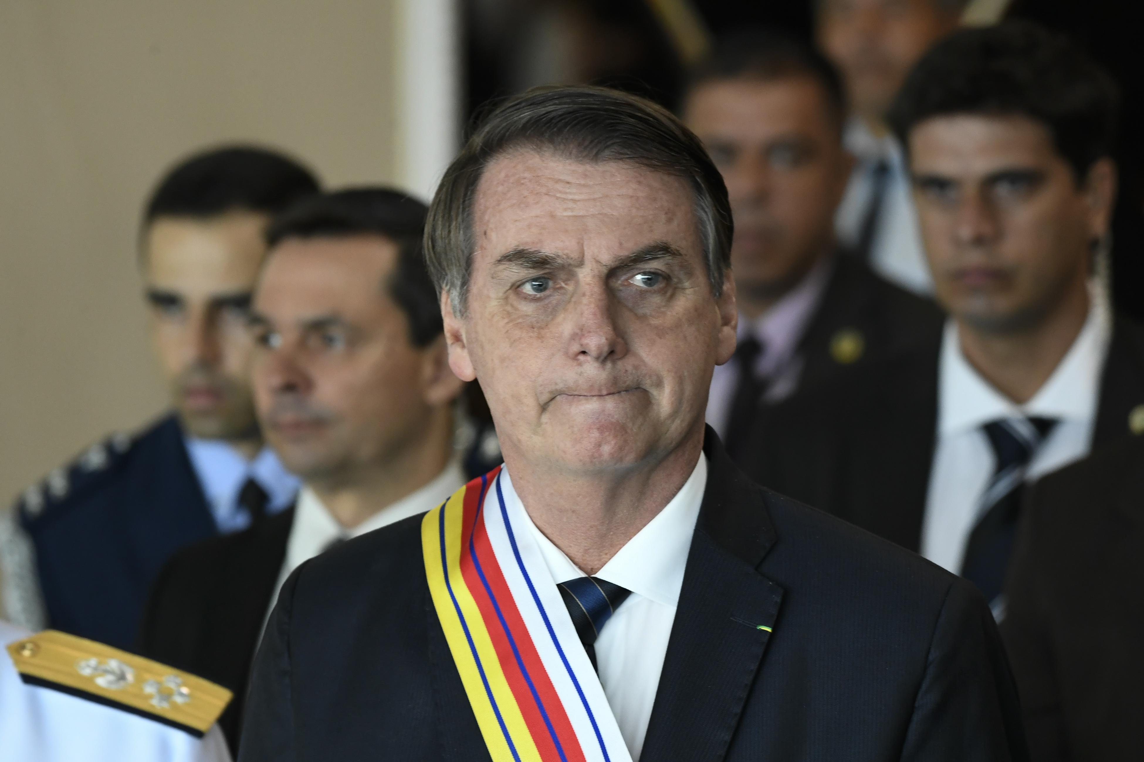 Bolsonaro visszavonta a fegyvertertási szabályok lazításáról szóló rendeletét