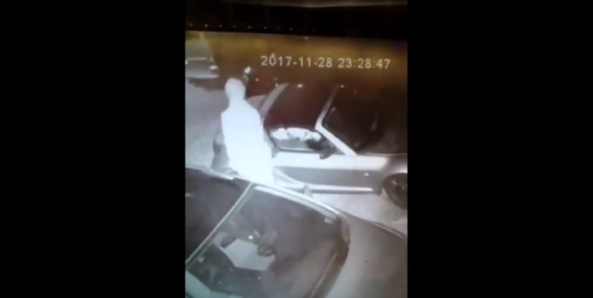 Egy pécsi férfi sorozatban keféli az autókat, már több mint 20-at a magáévá tett