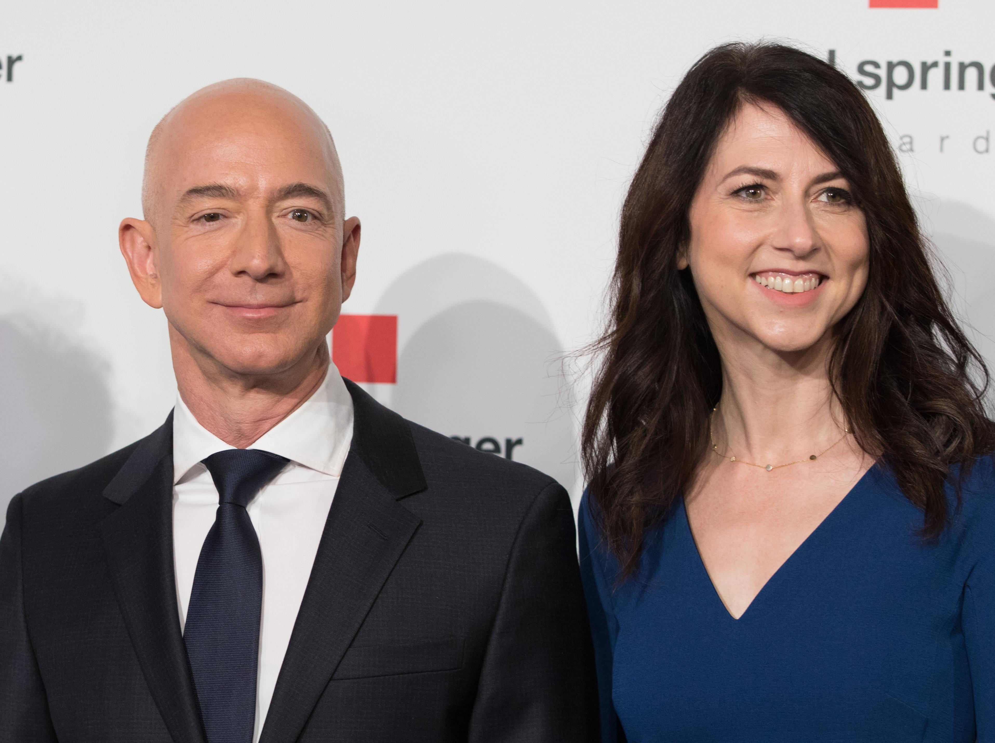 Soha nem volt még olyan válás, aminél annyi pénzről egyezkedtek volna, mint Jeff Bezoséknál