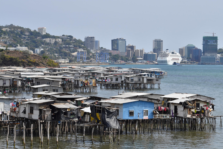 Egyre több férfi fecskendez kókuszolajat a farkába Pápua Új-Guineán, hátha attól nagyobb lesz