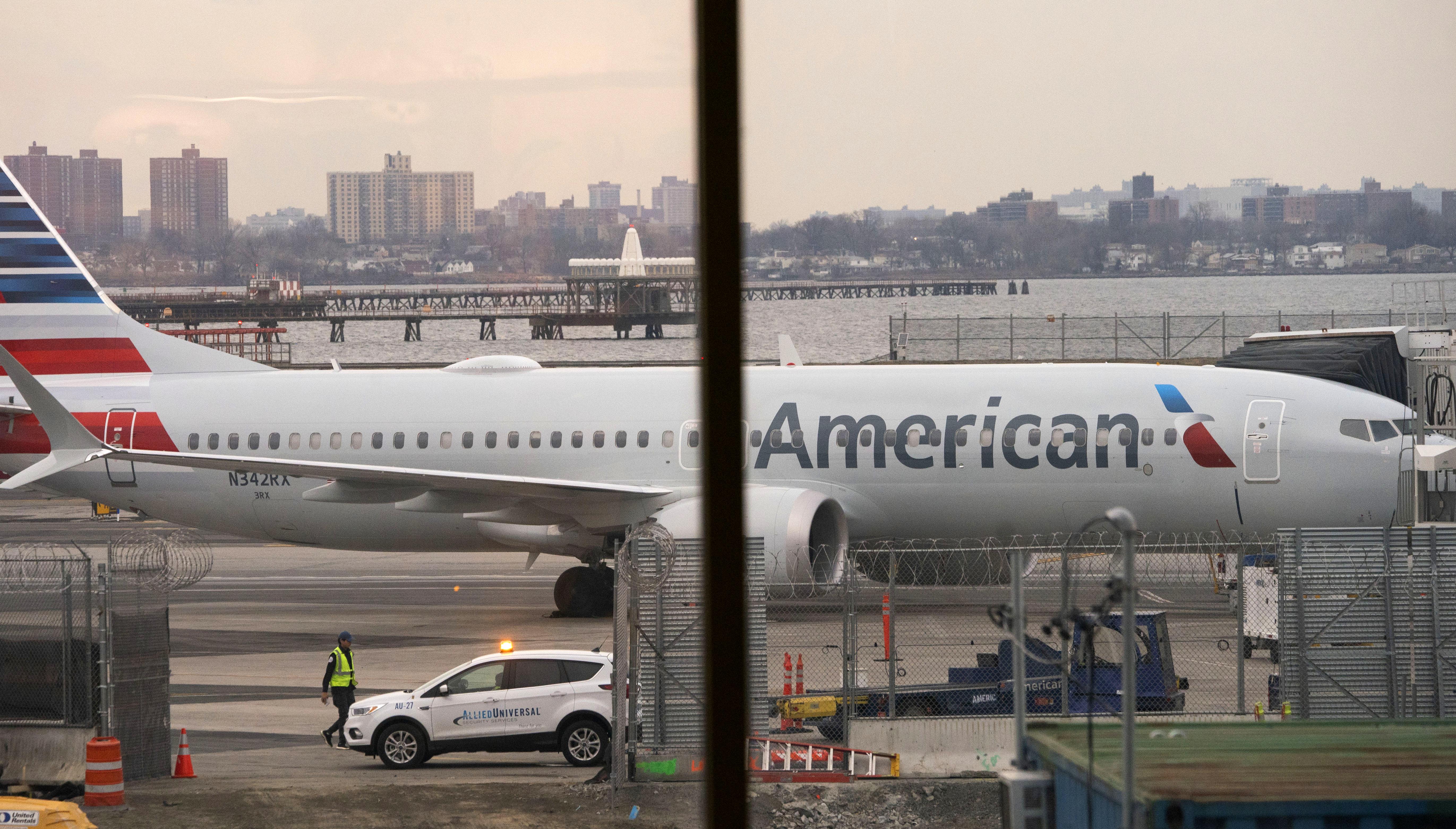 Egész nyárra kivonta 737 Maxait az American Airlines