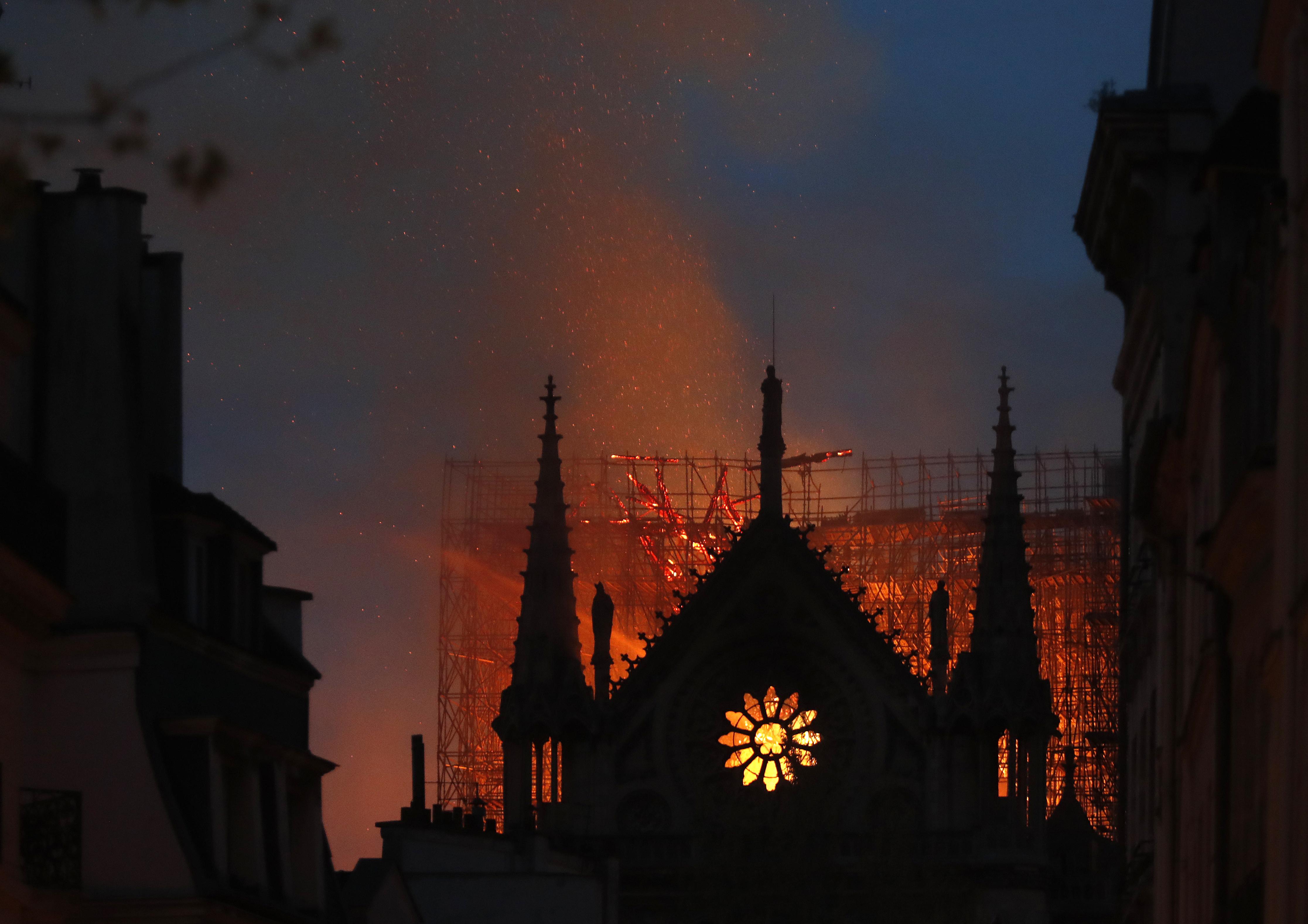 Semmi nyoma szándékosságnak a Notre Dame-i tűzvész körül