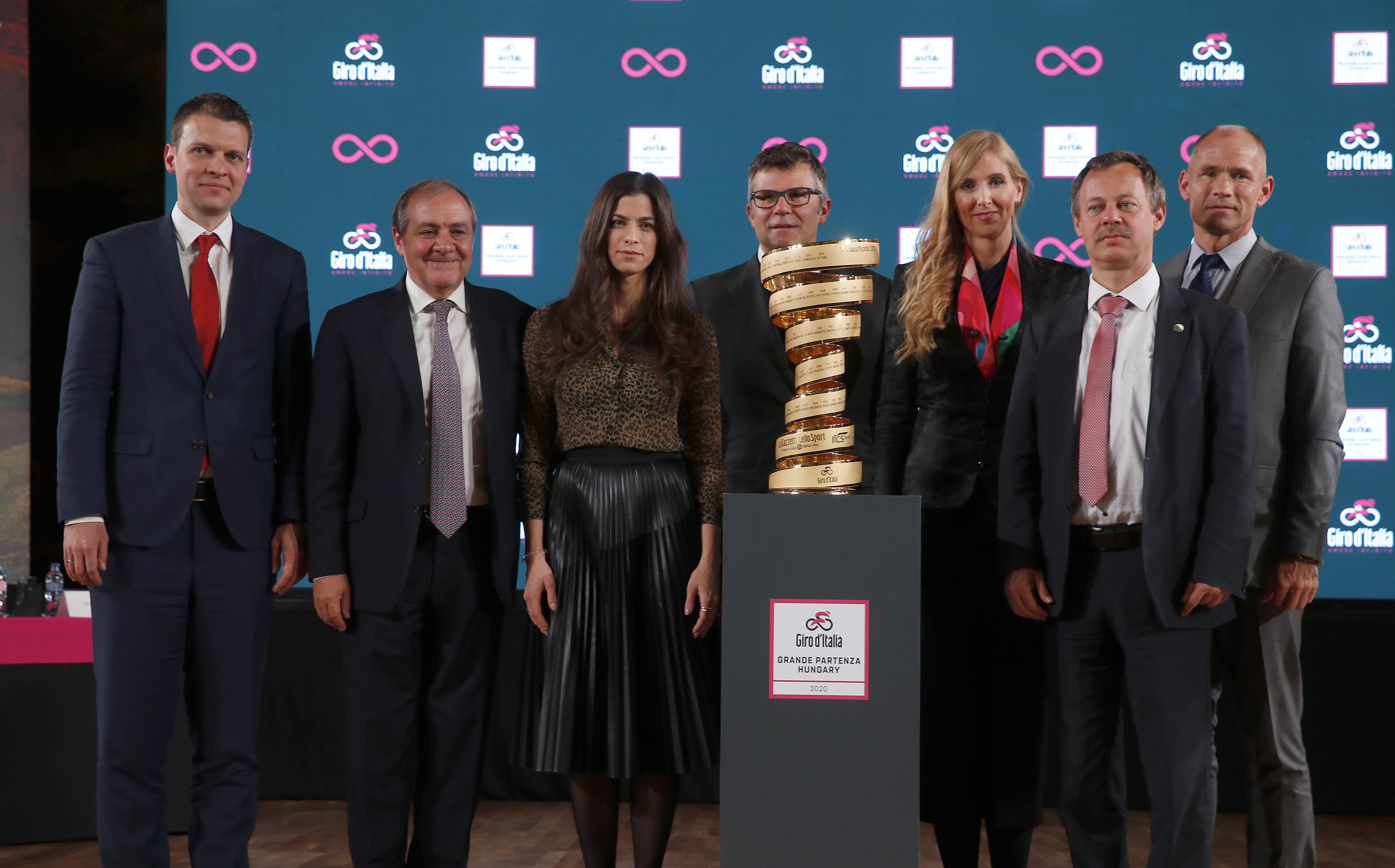 A szokásosnál kevésbé eszetlen, de pénzszórás Budapestre hozni a Giro d'Italiát