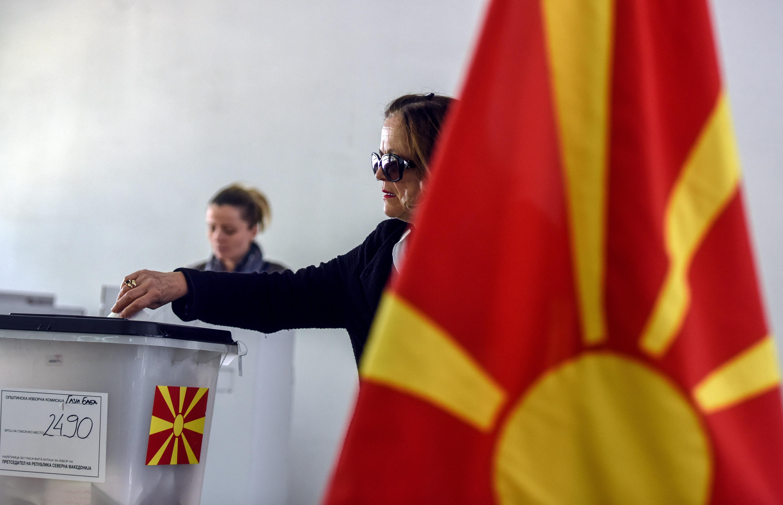 Szinte biztosan második forduló jön az észak-macedón elnökválasztáson