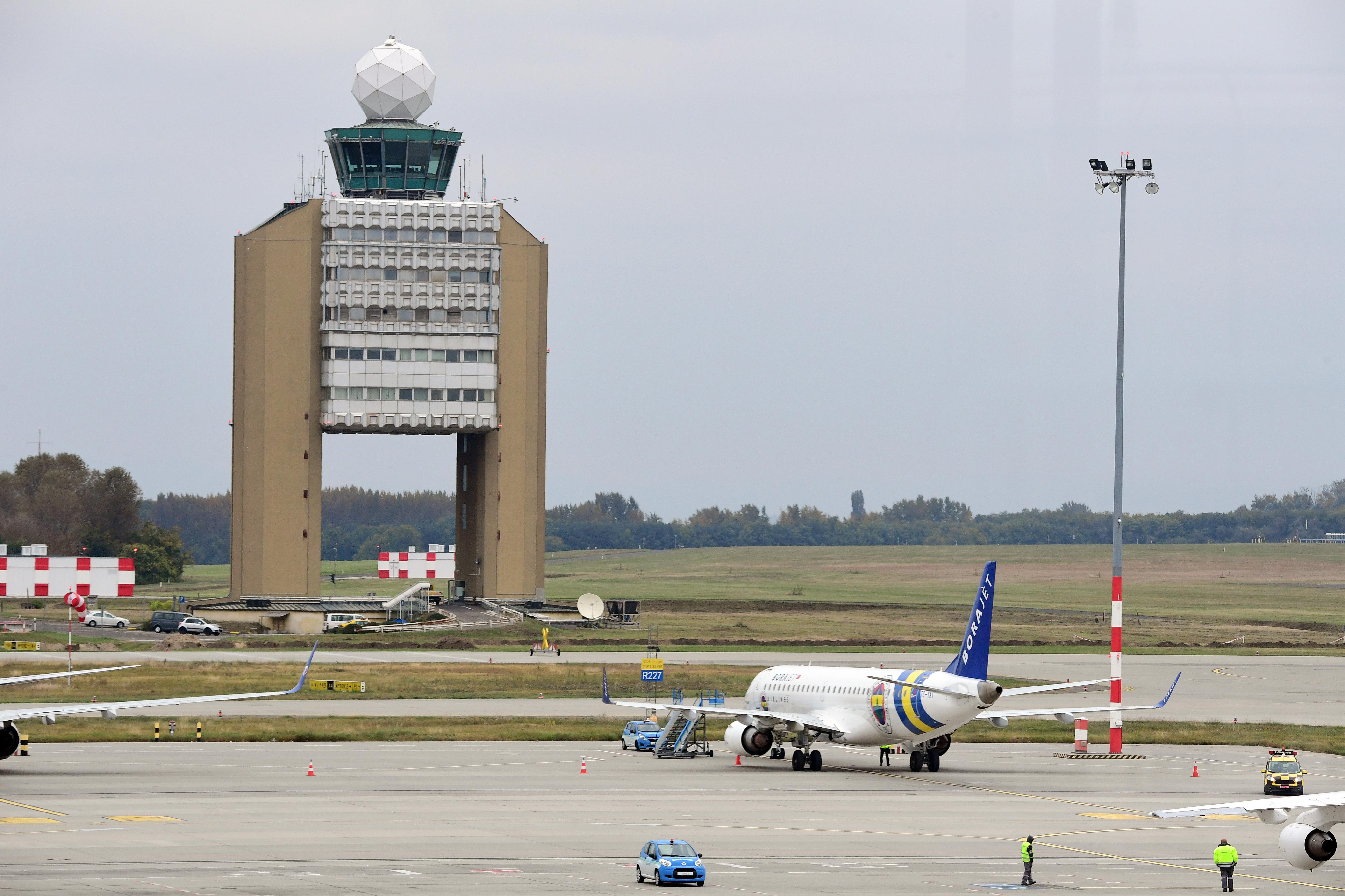 Alig jön utas Ferihegyre, leépítés lesz a Budapest Airportnál