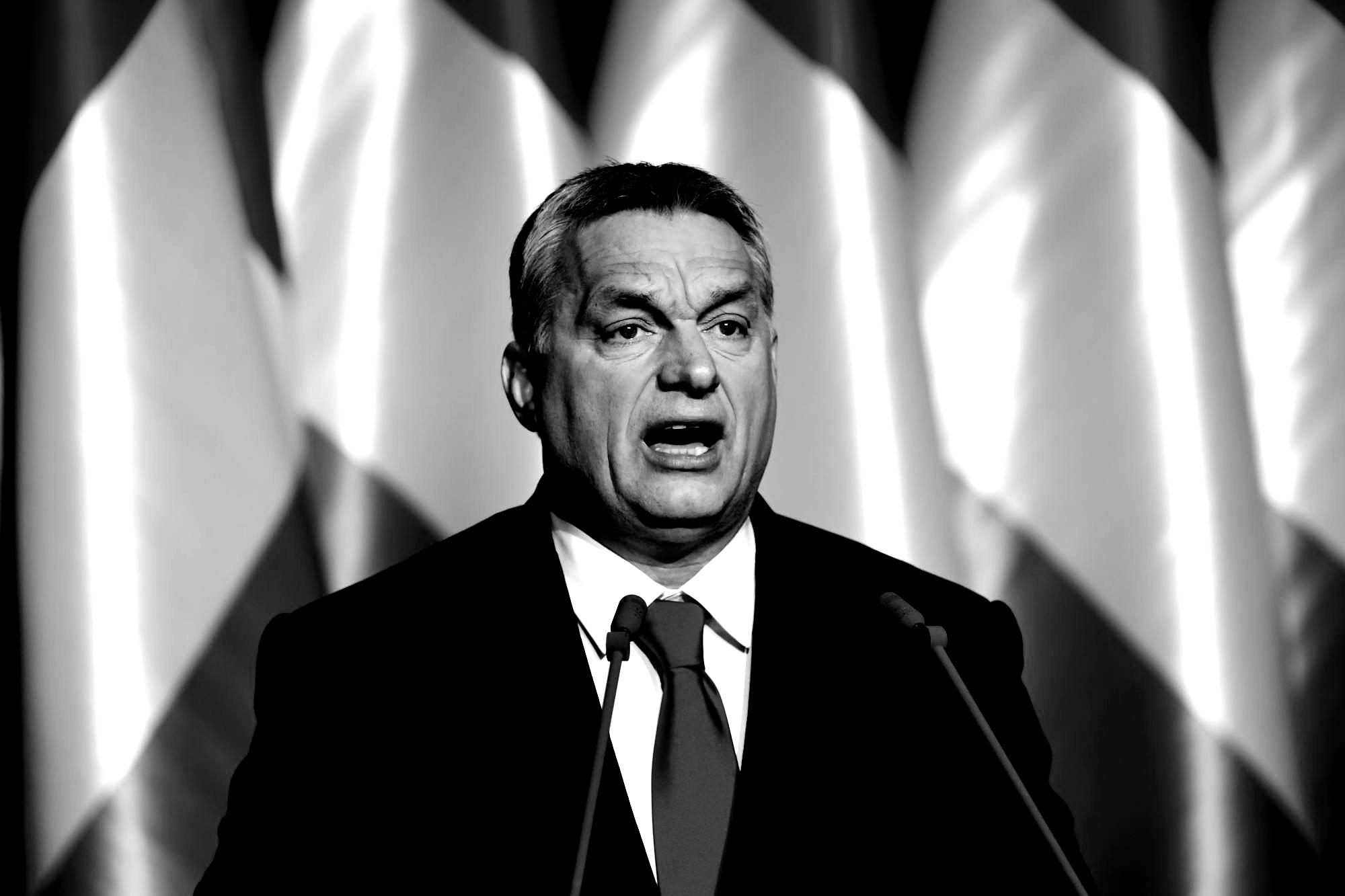 Miközben Orbánék a nemzeti szuverenitást védik, folyton beleszólnak más országok belügyeibe