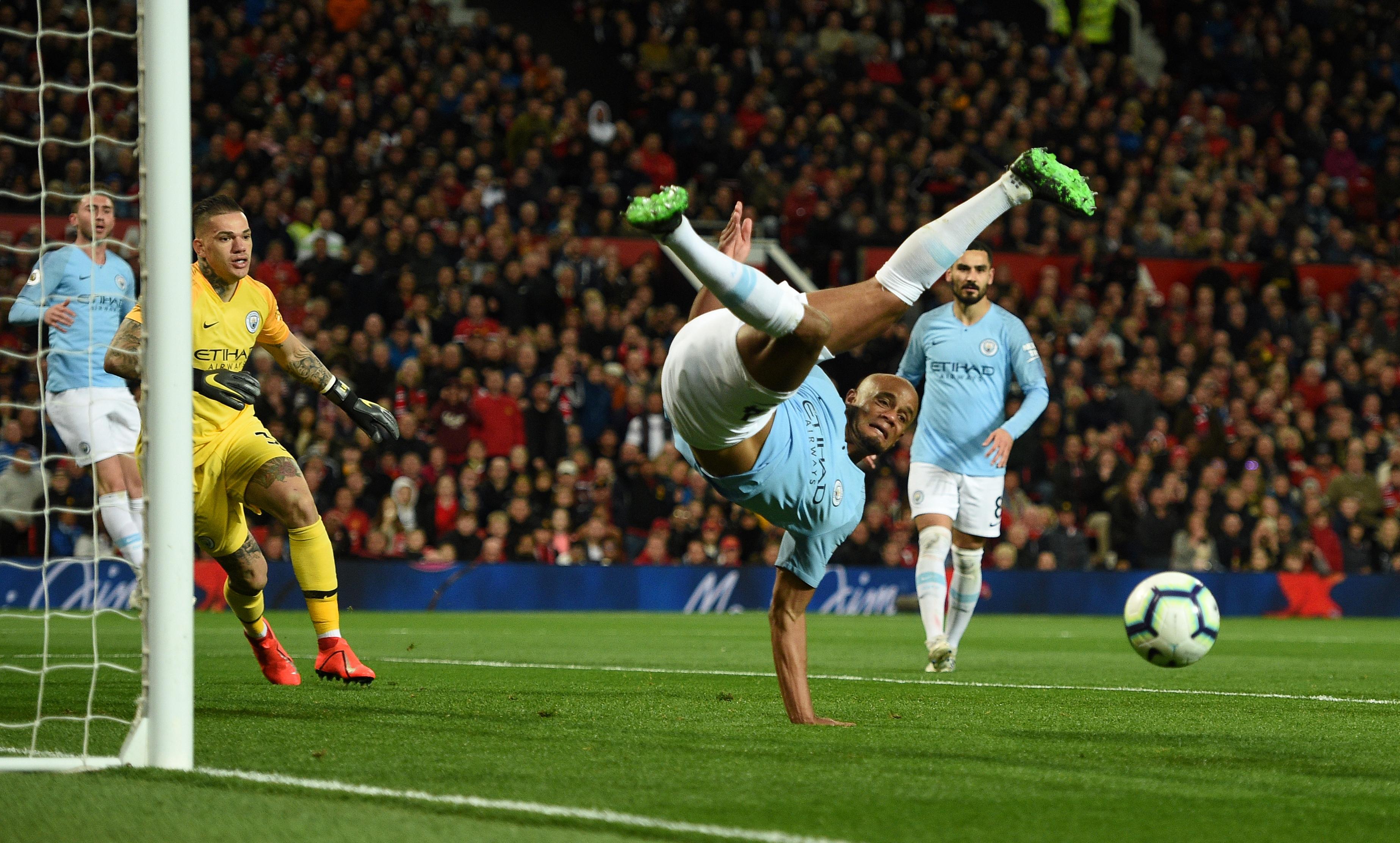Simán nyert a City a manchesteri rangadón, náluk az előny az őrült bajnoki hajrában