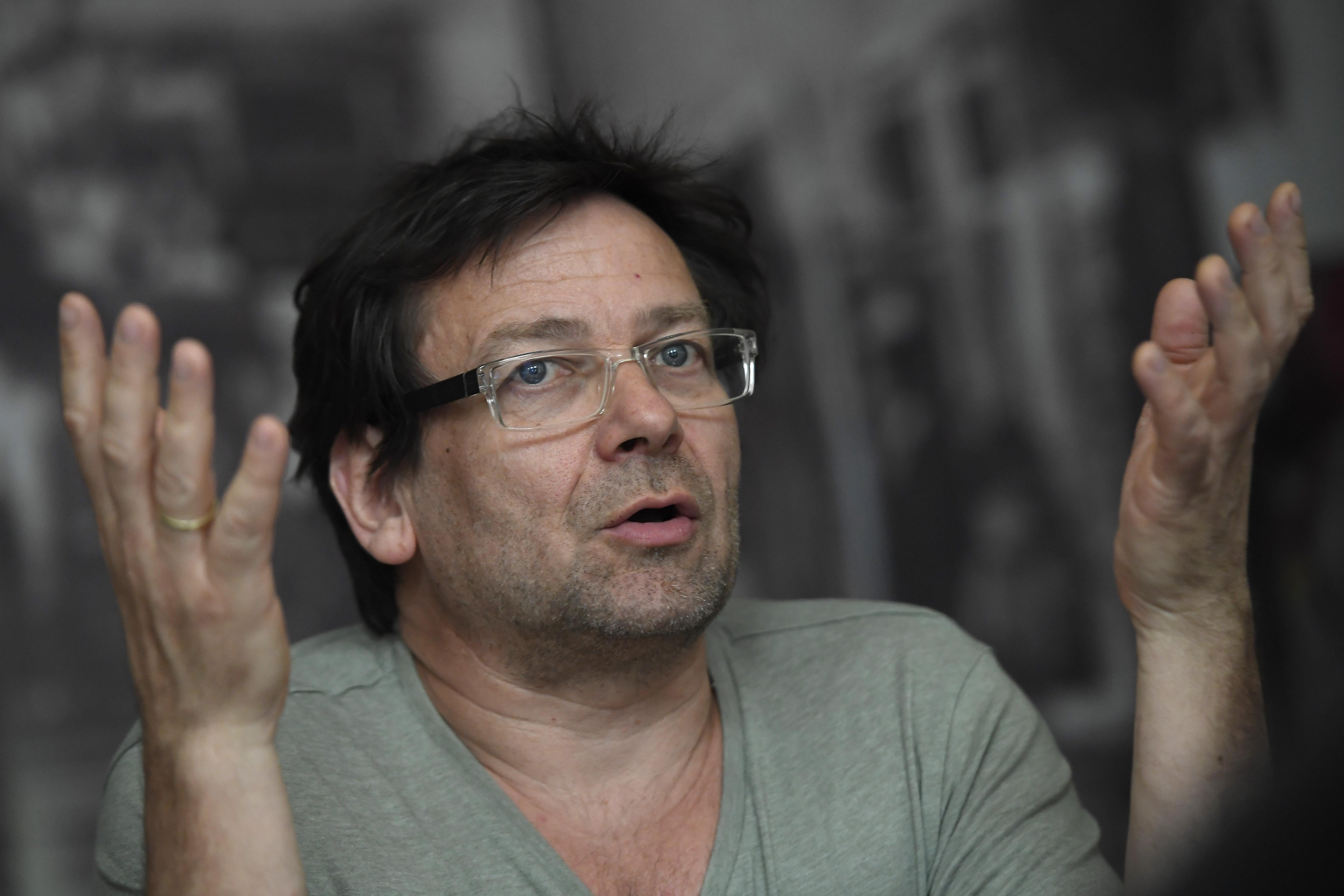 Lovasi András: Remélem, megérem a bukásukat, hogy a NER úgy megy a kukába, mint nemrég az alaptörvény szerzője