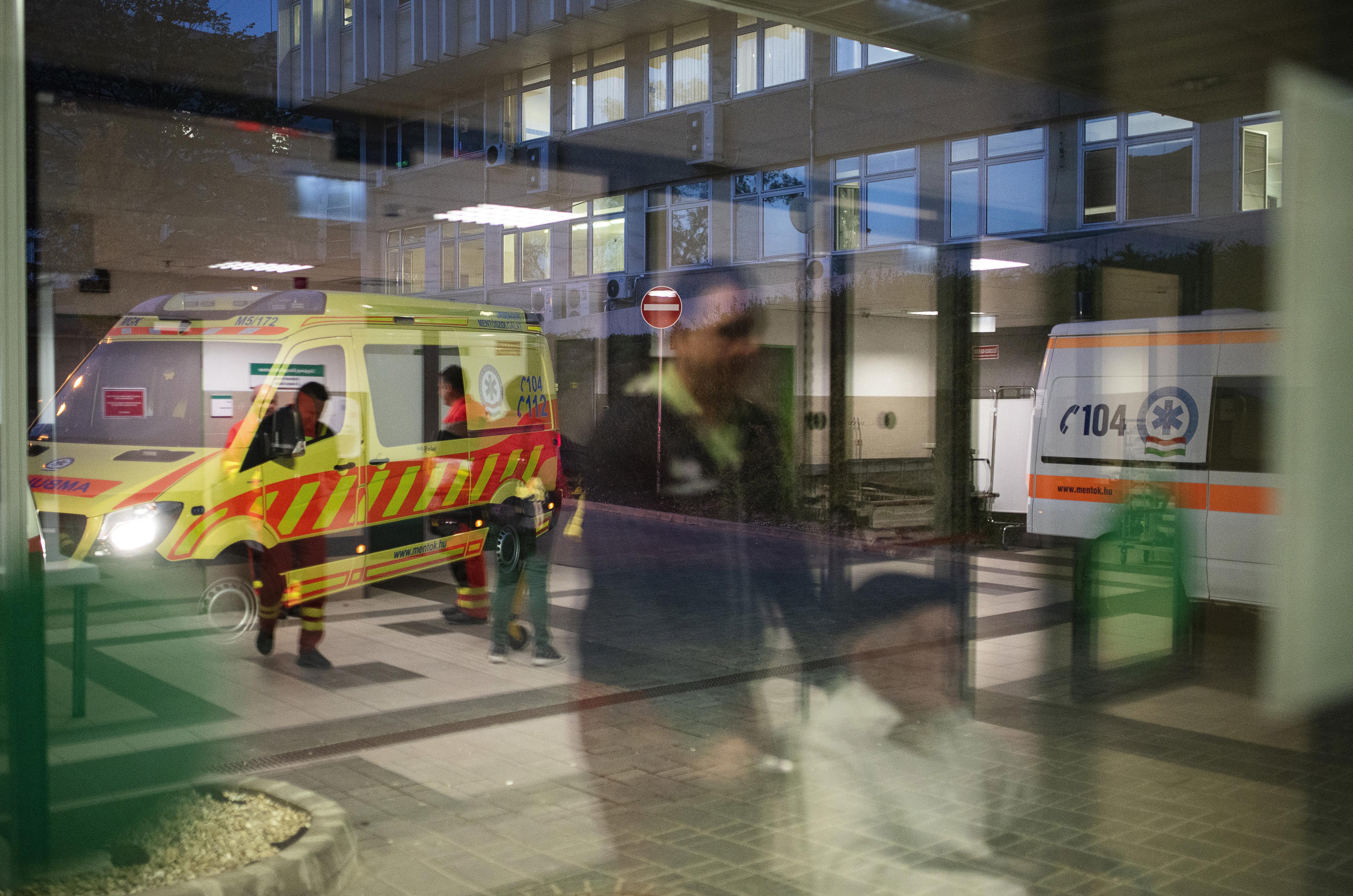 Szabolcsban olyan rossz a helyzet, hogy a háziorvosokat korra való tekintet nélkül elkezdték berendelni kórházi munkára