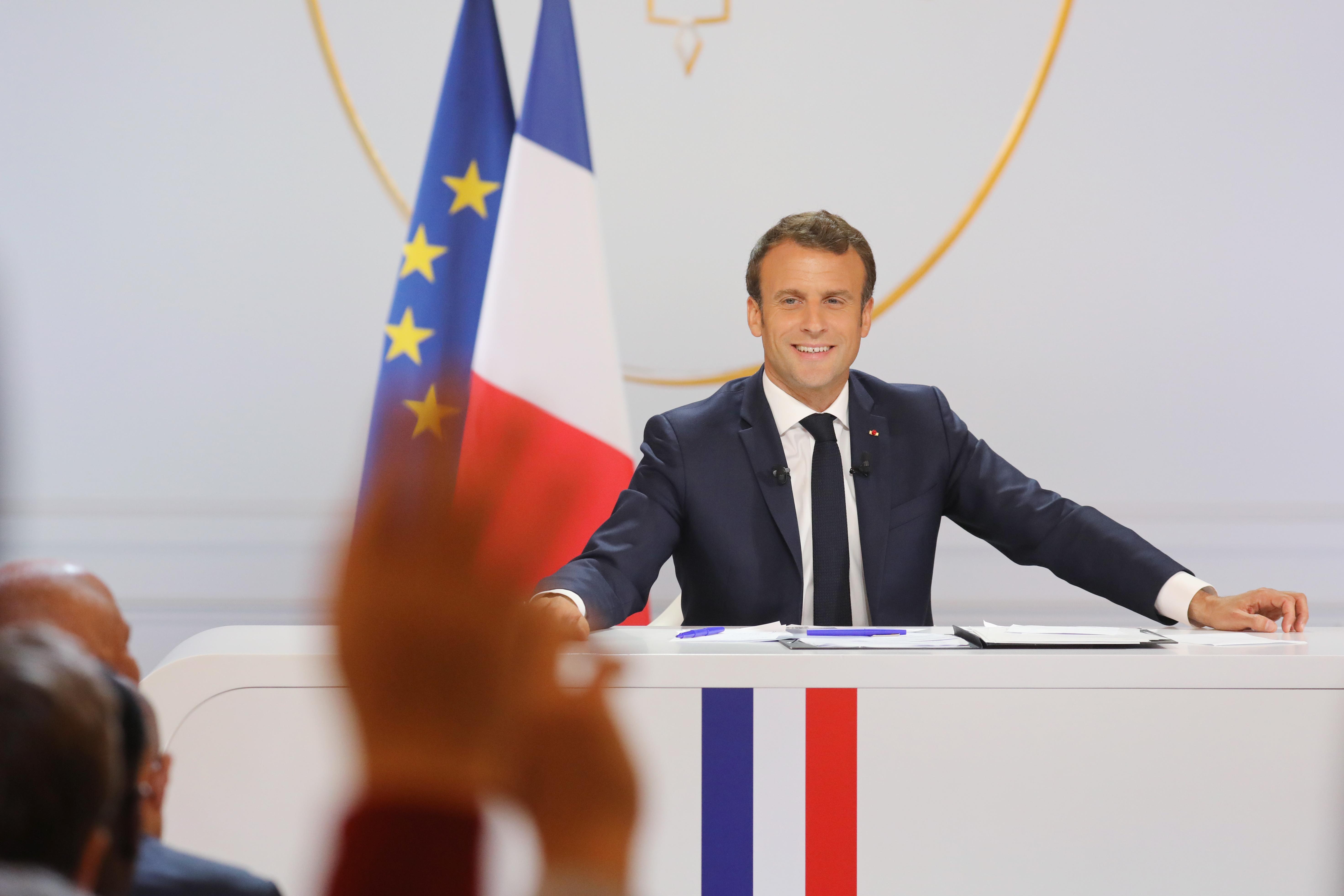 """""""Újítsuk meg Európát"""" néven alakítanak közös EP-frakciót a liberálisok Macron pártjával"""