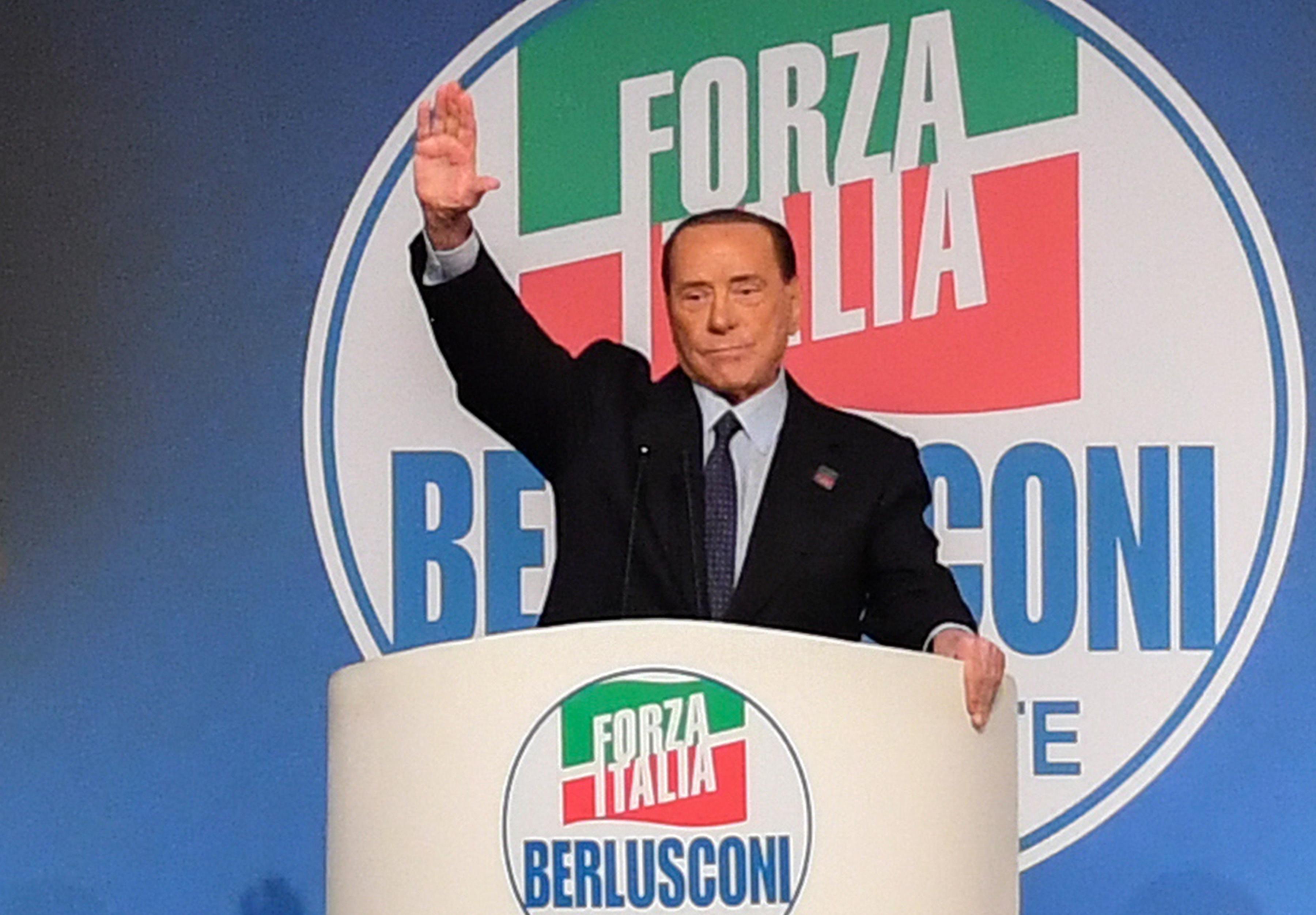 Kórházba szállították Silvio Berlusconit