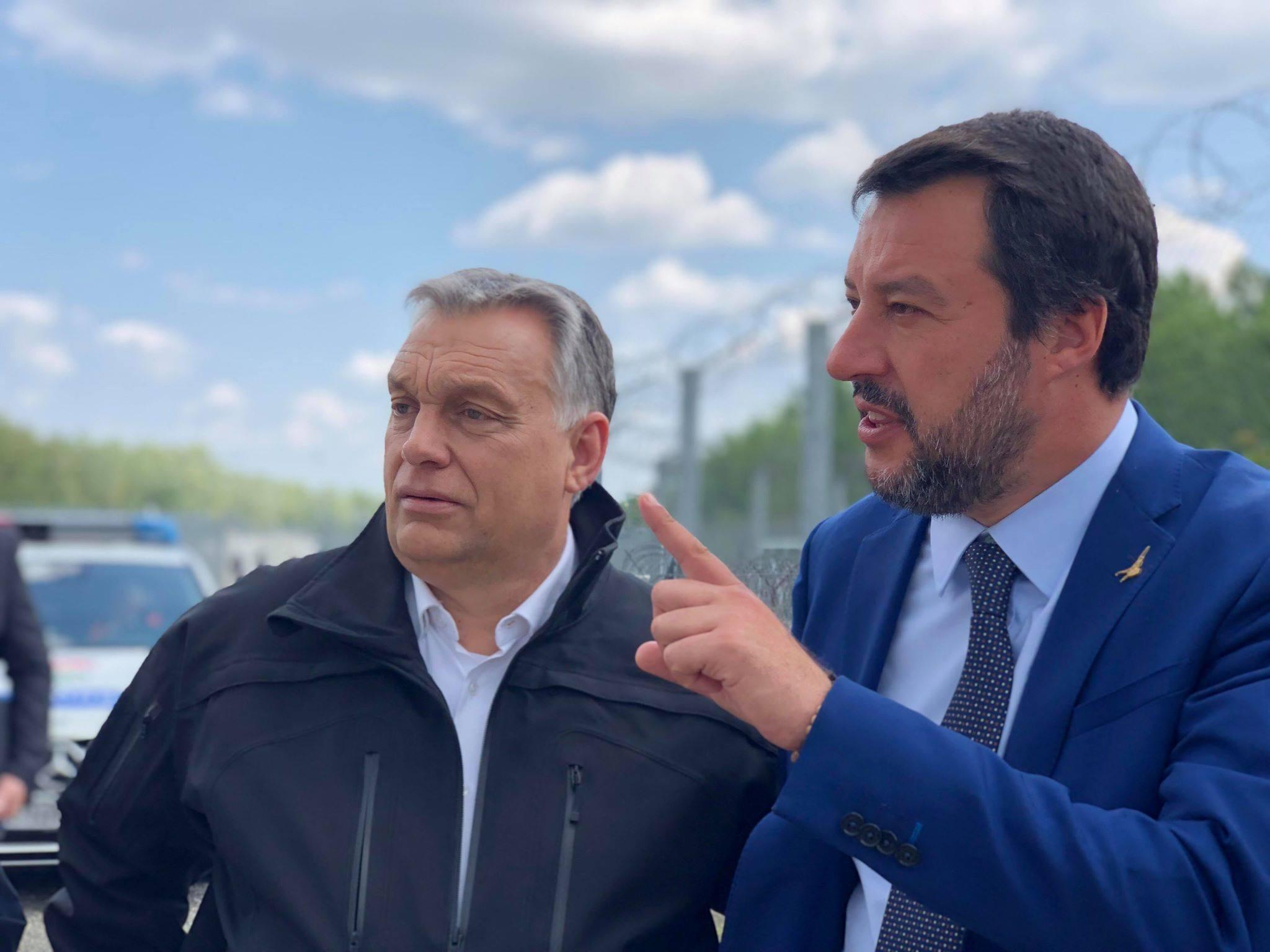 Salvini több ezer euróra büntetné azokat a hajókat, amik embereket mentenek a Földközi-tengeren