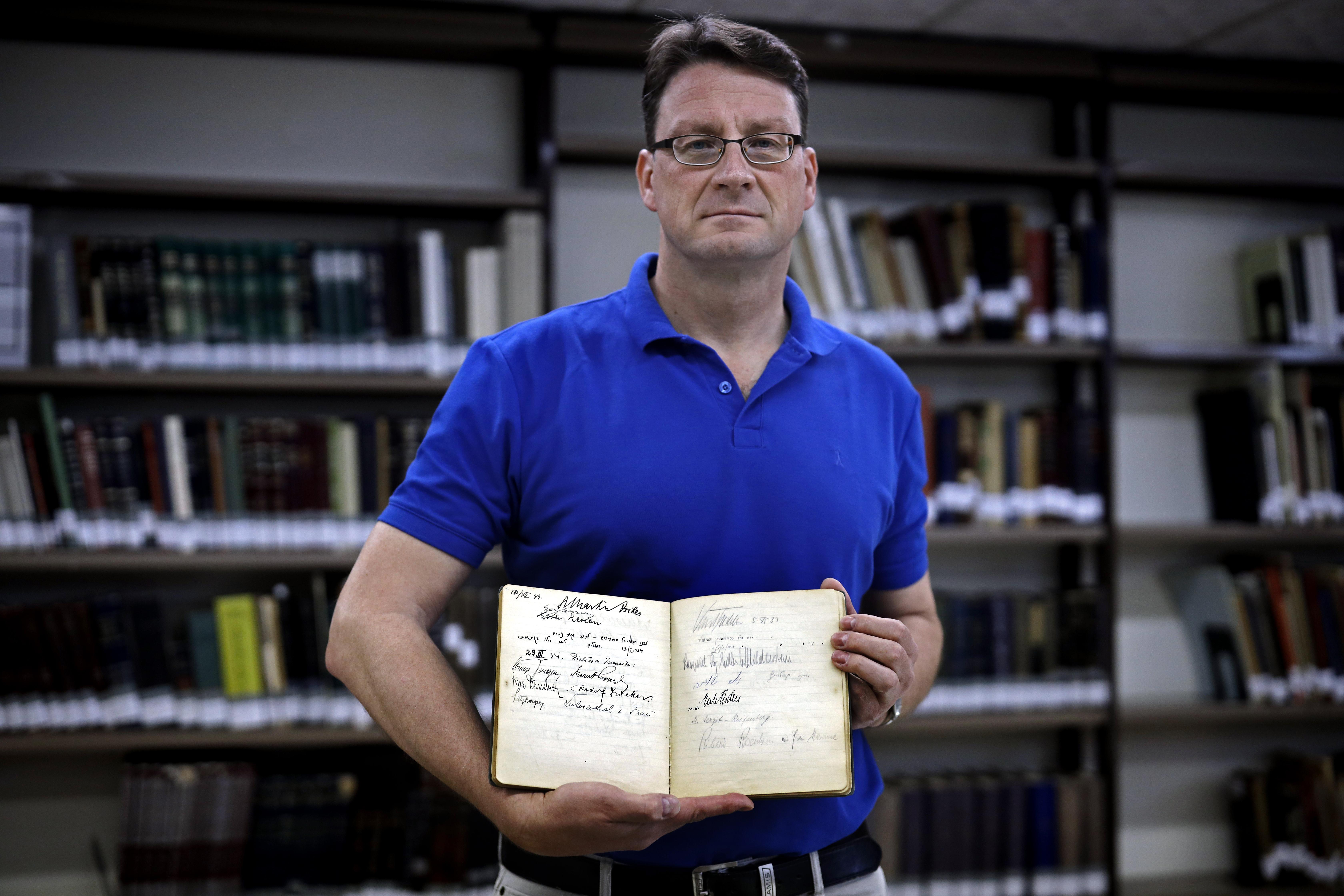 Leopold von Mildenstein náci vezető aláírását találták meg egy izraeli vendégkönyben