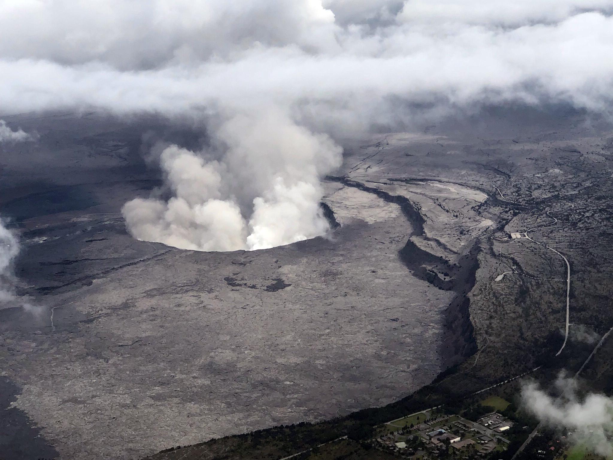 Egy amerikai katona megmászott egy hawaii vulkánt, véletlenül beleesett, de túlélte