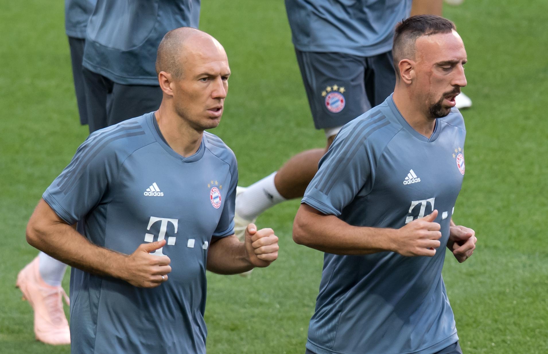 Robben és Ribéry otthagyja a Bayernt