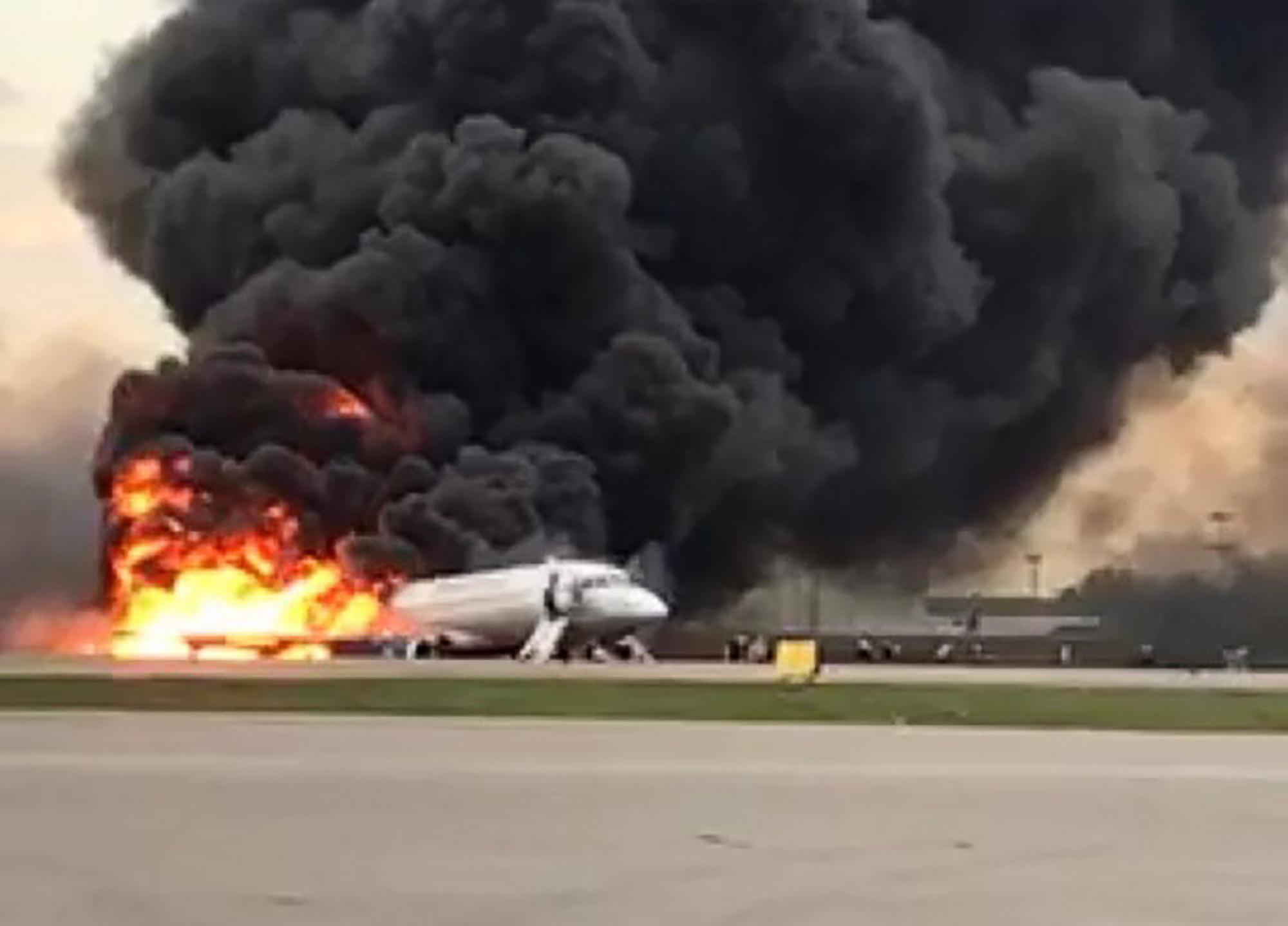 Különbizottság vizsgálja a 41 ember halálát okozó seremetyjevói légi katasztrófa okait