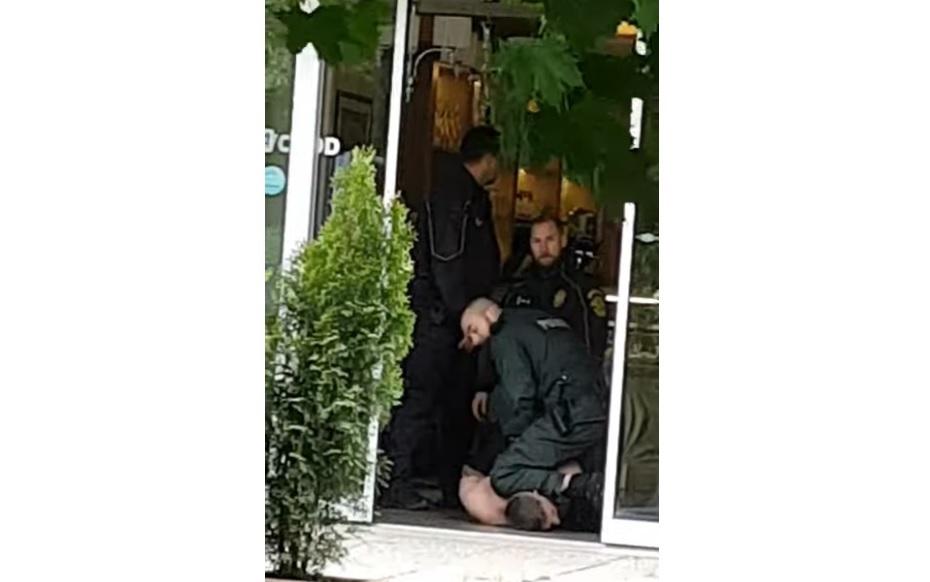 Pucéran rohant ki az utcára a dunaszerdahelyi kórházból egy beteg